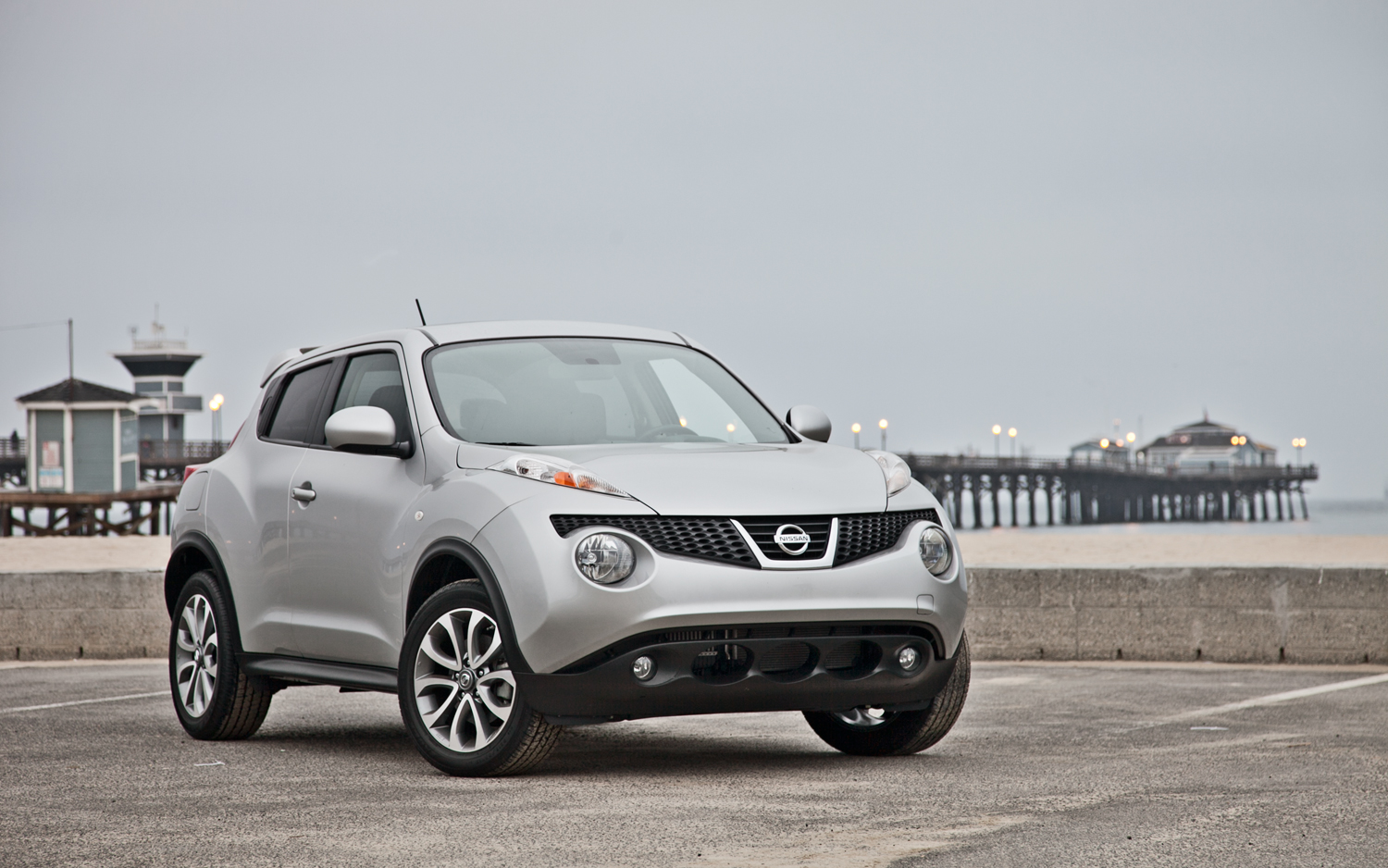 2012 nissan juke pictures information and specs auto for Nissan juke automatik