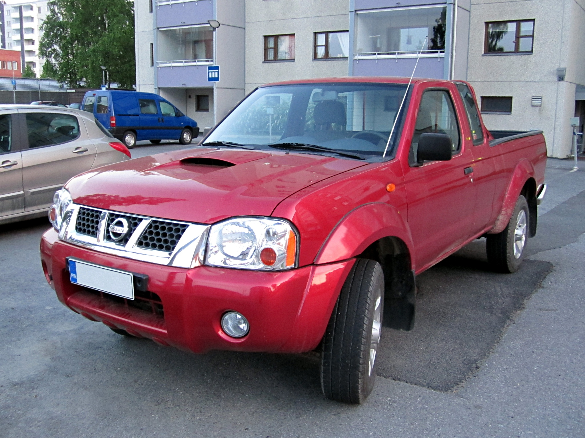 nissan pick up pictures #13