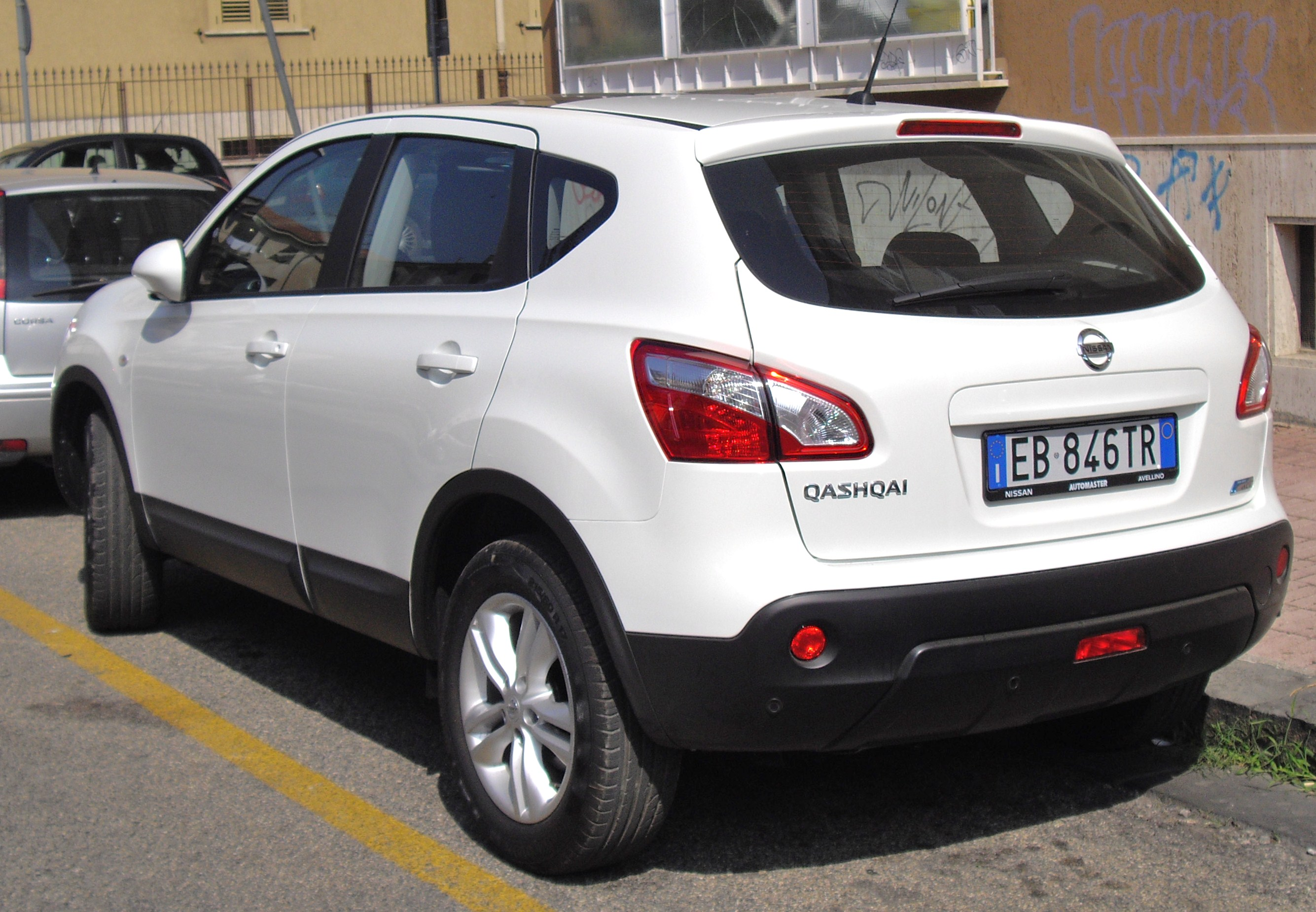 2010 nissan qashqai pictures information and specs. Black Bedroom Furniture Sets. Home Design Ideas