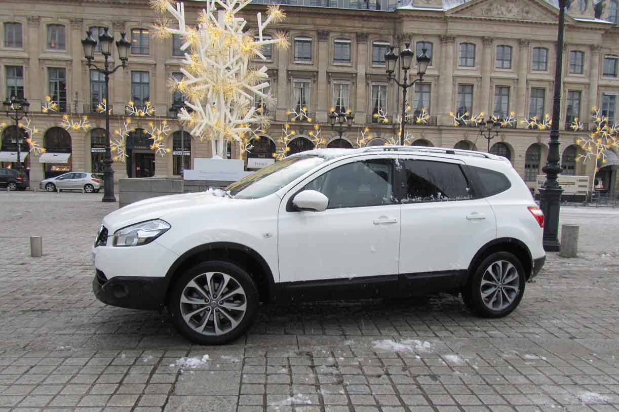 2011 nissan qashqai 2 pictures information and specs auto. Black Bedroom Furniture Sets. Home Design Ideas