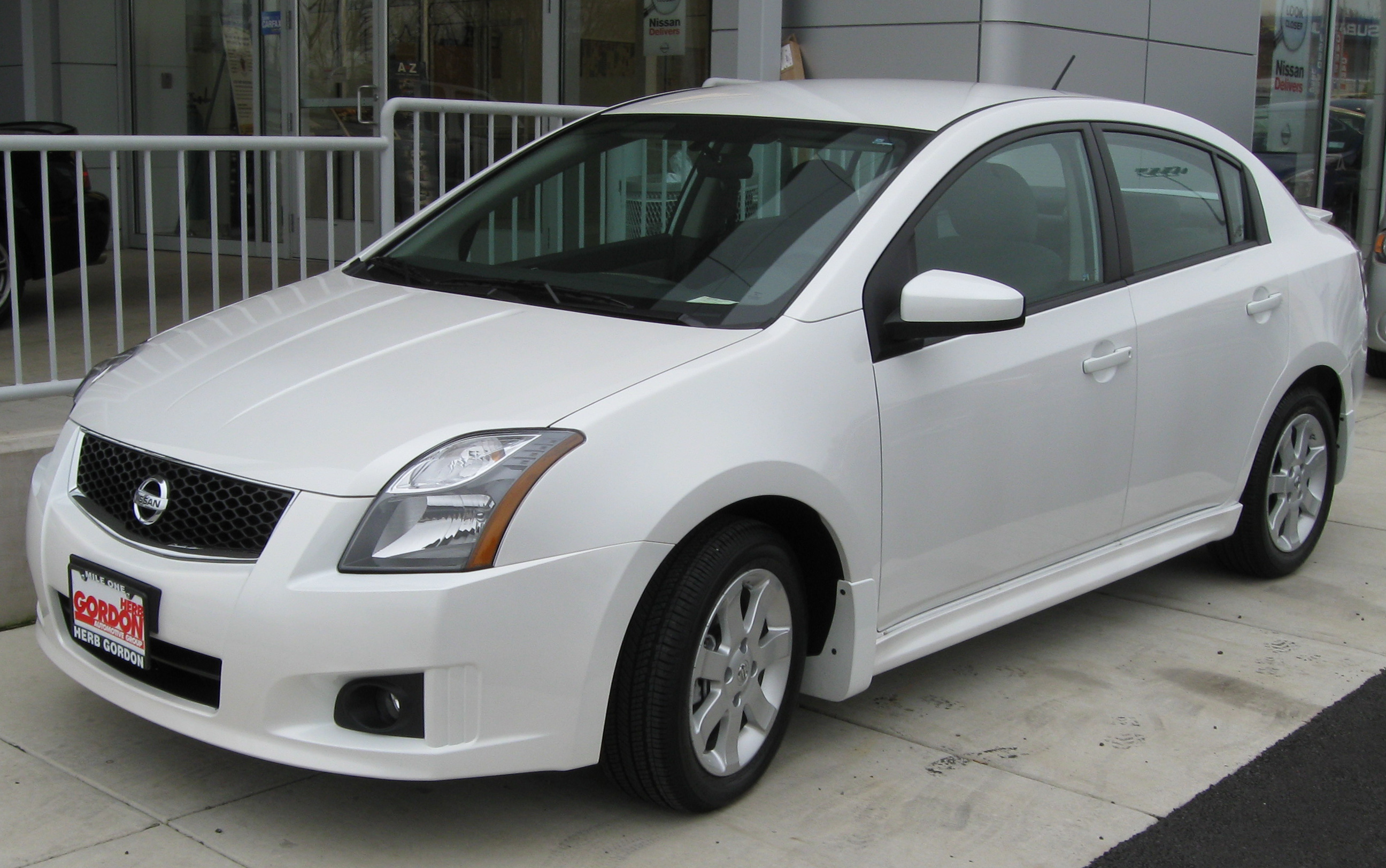 2010 Nissan Sentra Vi Pictures Information And Specs