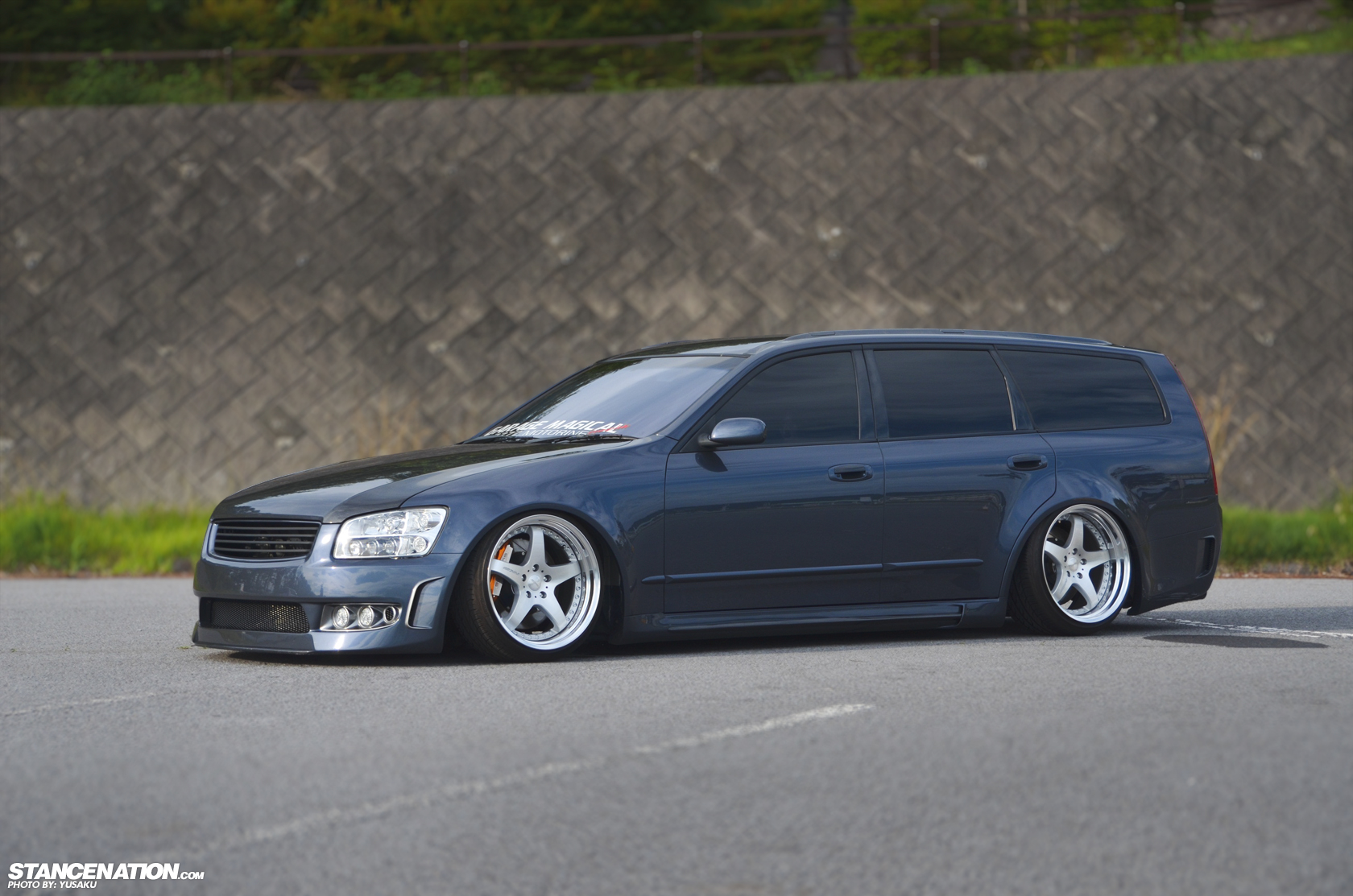nissan stagea pictures