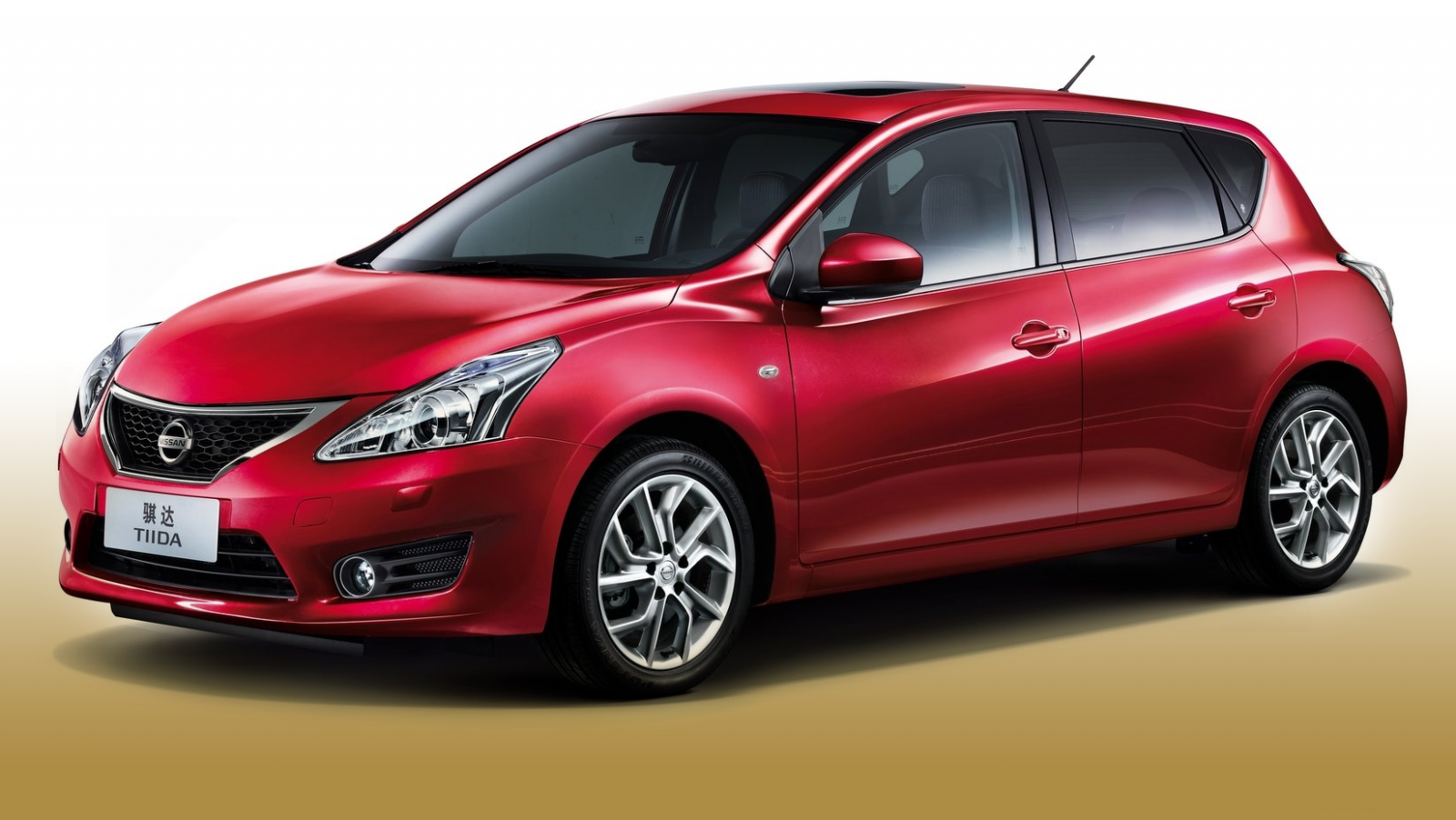 nissan tiida 2013 wallpaper