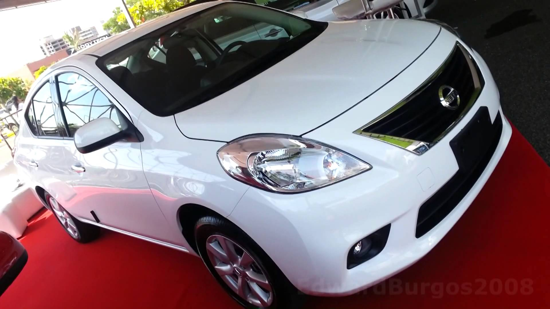 nissan tiida 2016 pictures