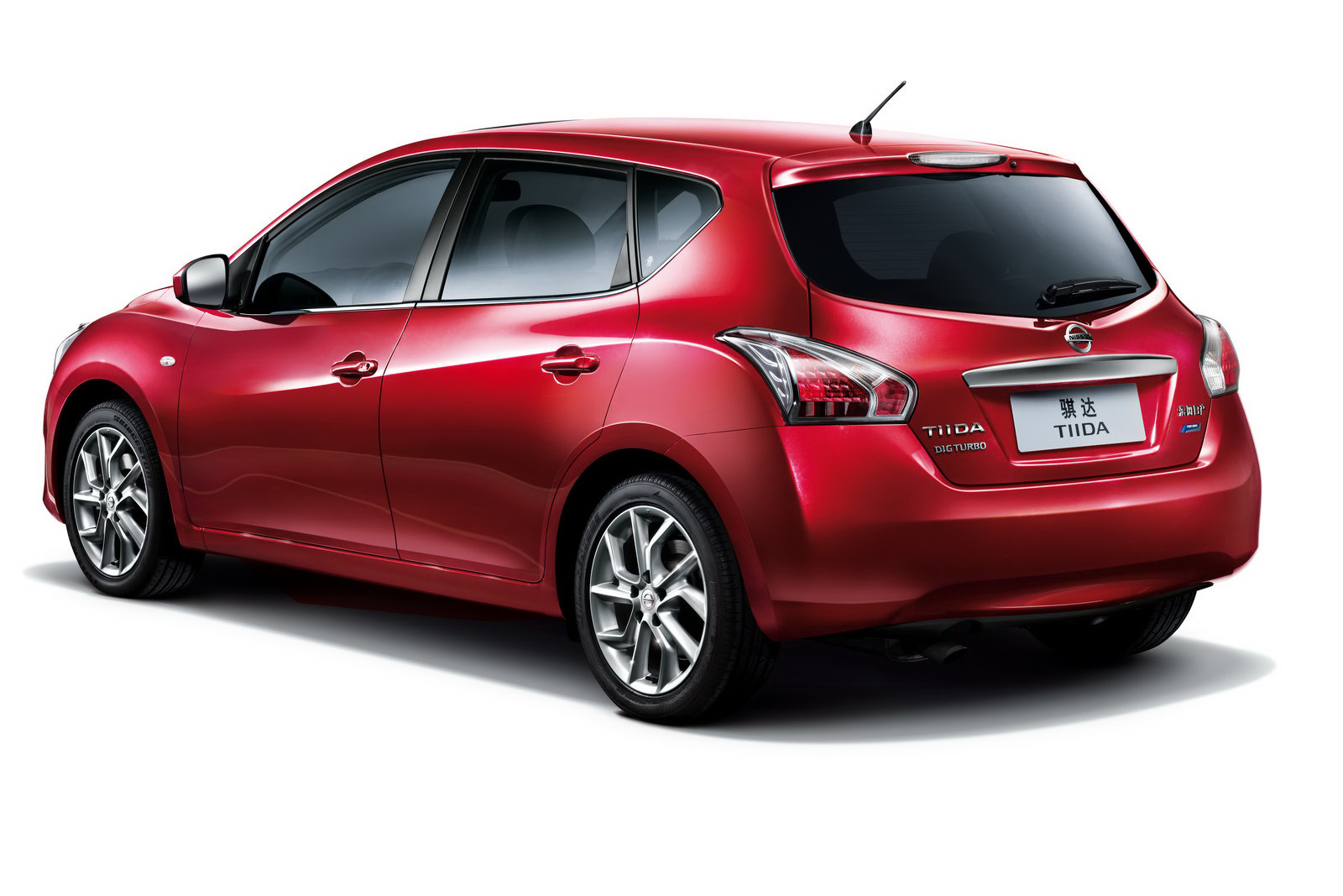 2016 Nissan Tiida Sedan Pictures Information And Specs