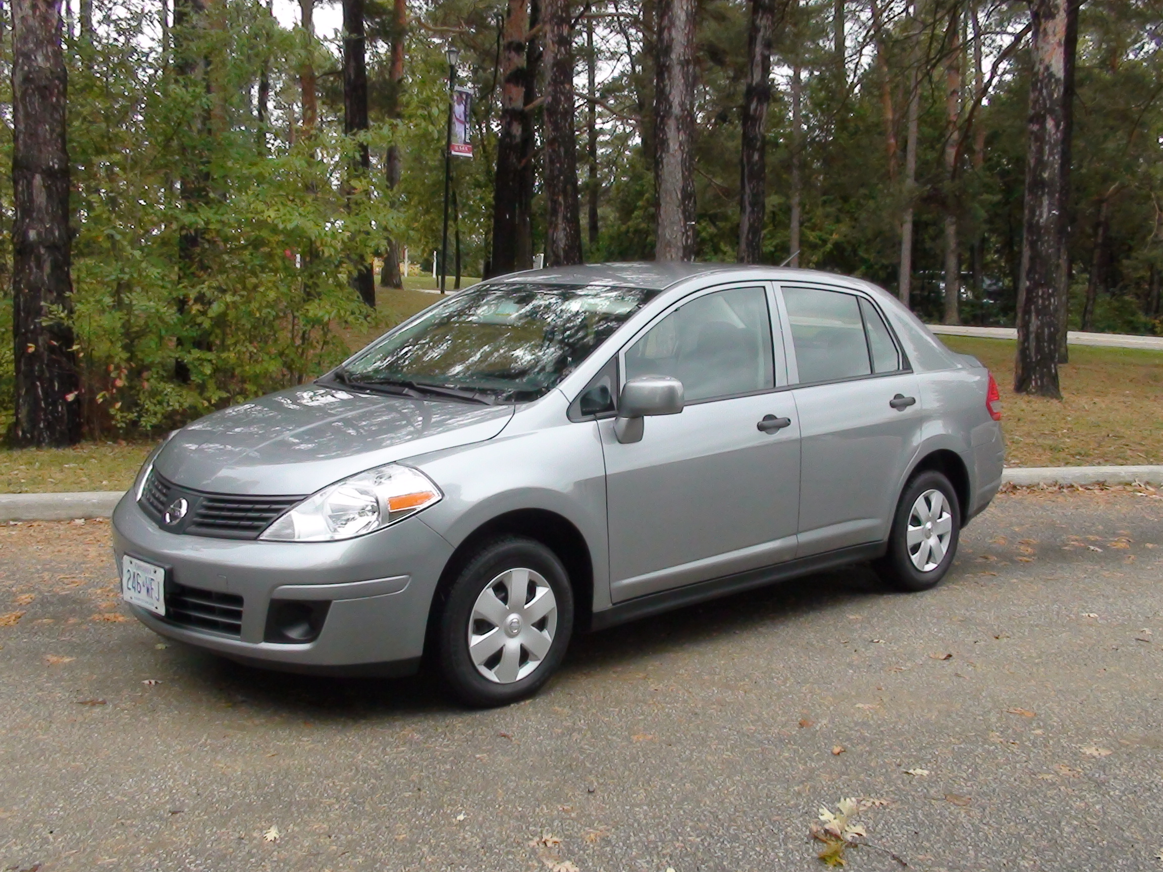 2009 nissan versa pictures information and specs auto. Black Bedroom Furniture Sets. Home Design Ideas