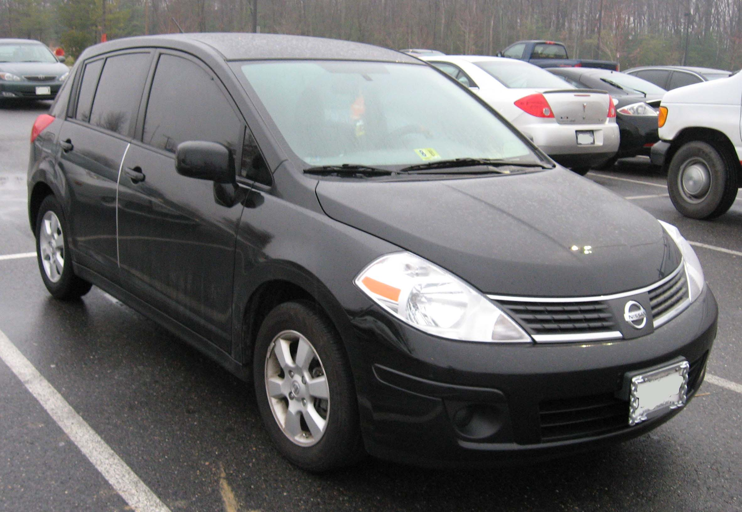 nissan versa images #2