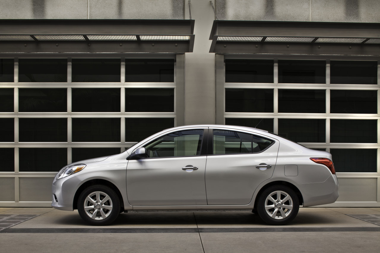 nissan versa images #10