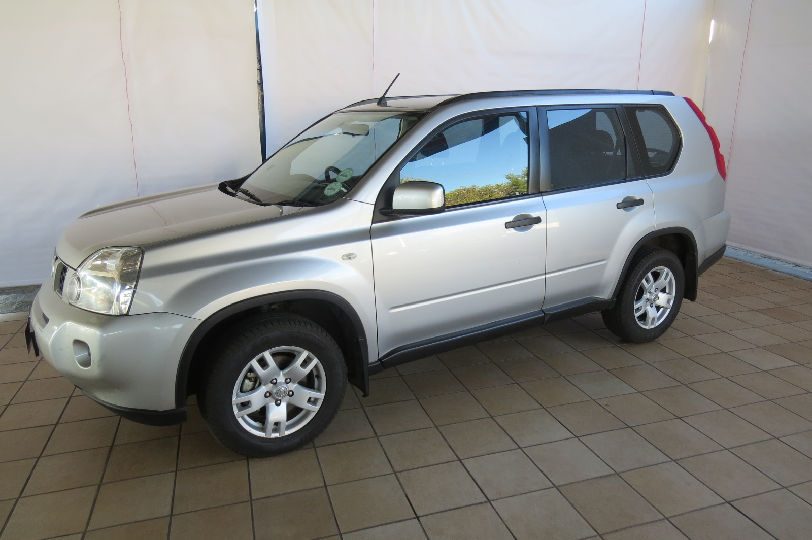 nissan x-trail 2 2010 images #9