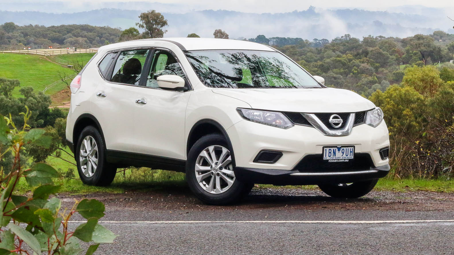2015 nissan x trail 2 pictures information and specs auto. Black Bedroom Furniture Sets. Home Design Ideas