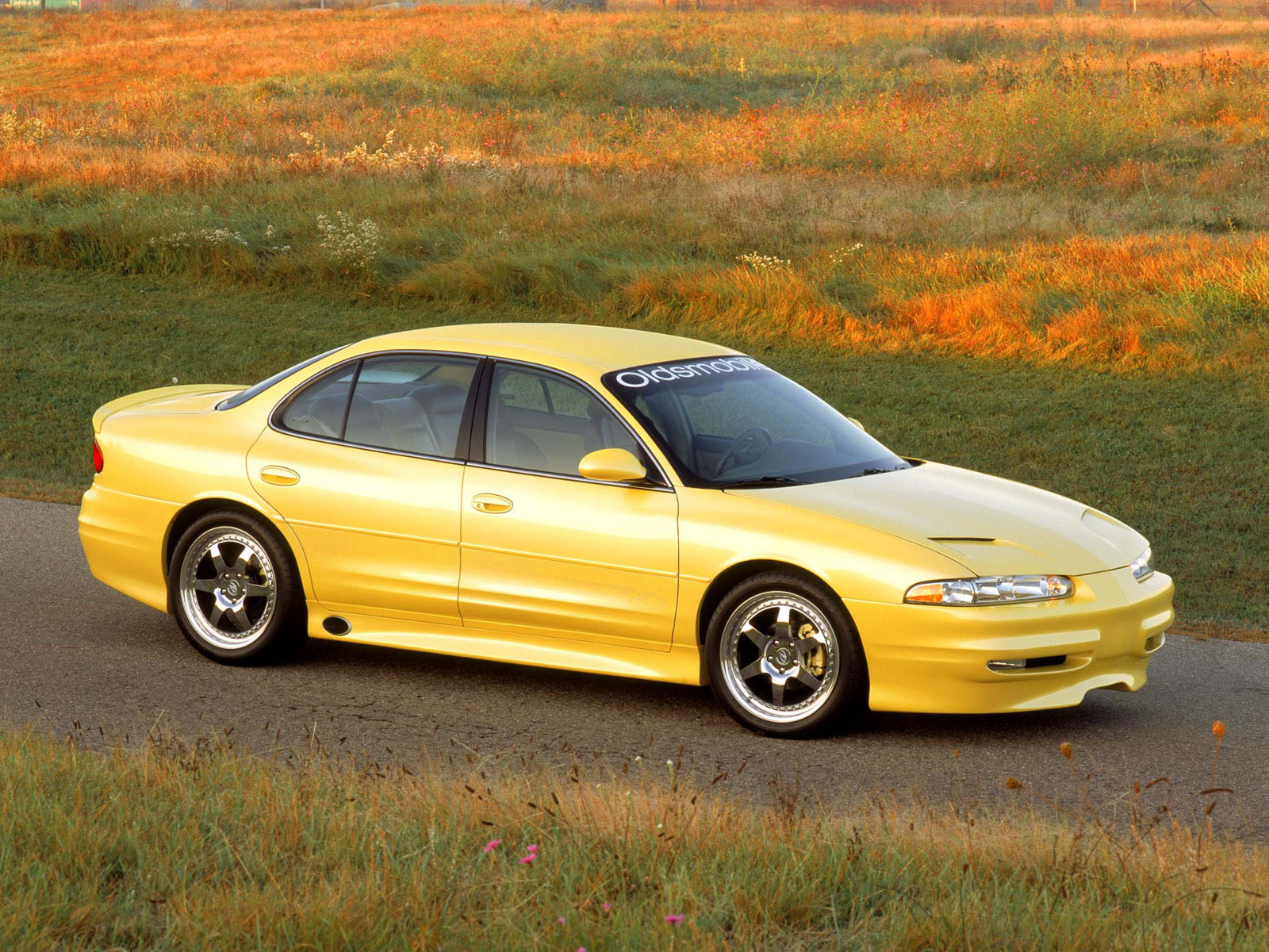 oldsmobile intrigue images #7