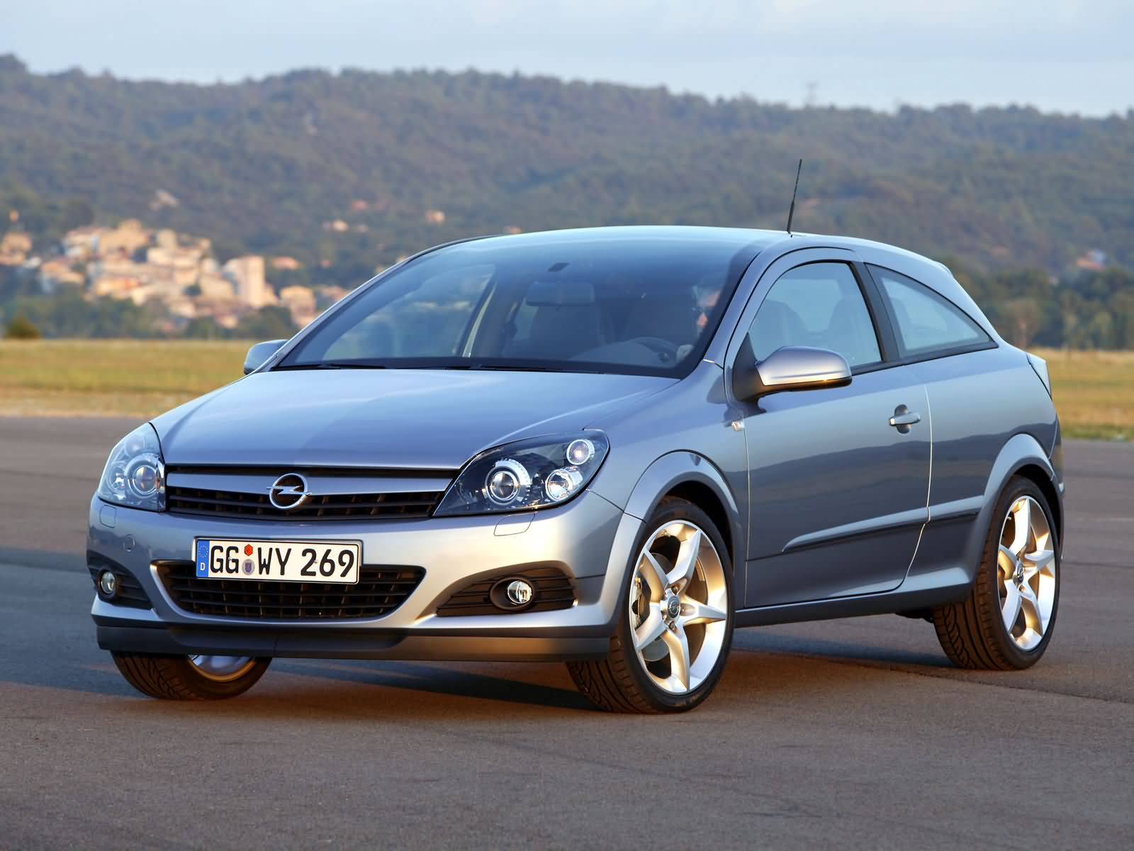 2005 opel astra h gtc pictures information and specs auto. Black Bedroom Furniture Sets. Home Design Ideas