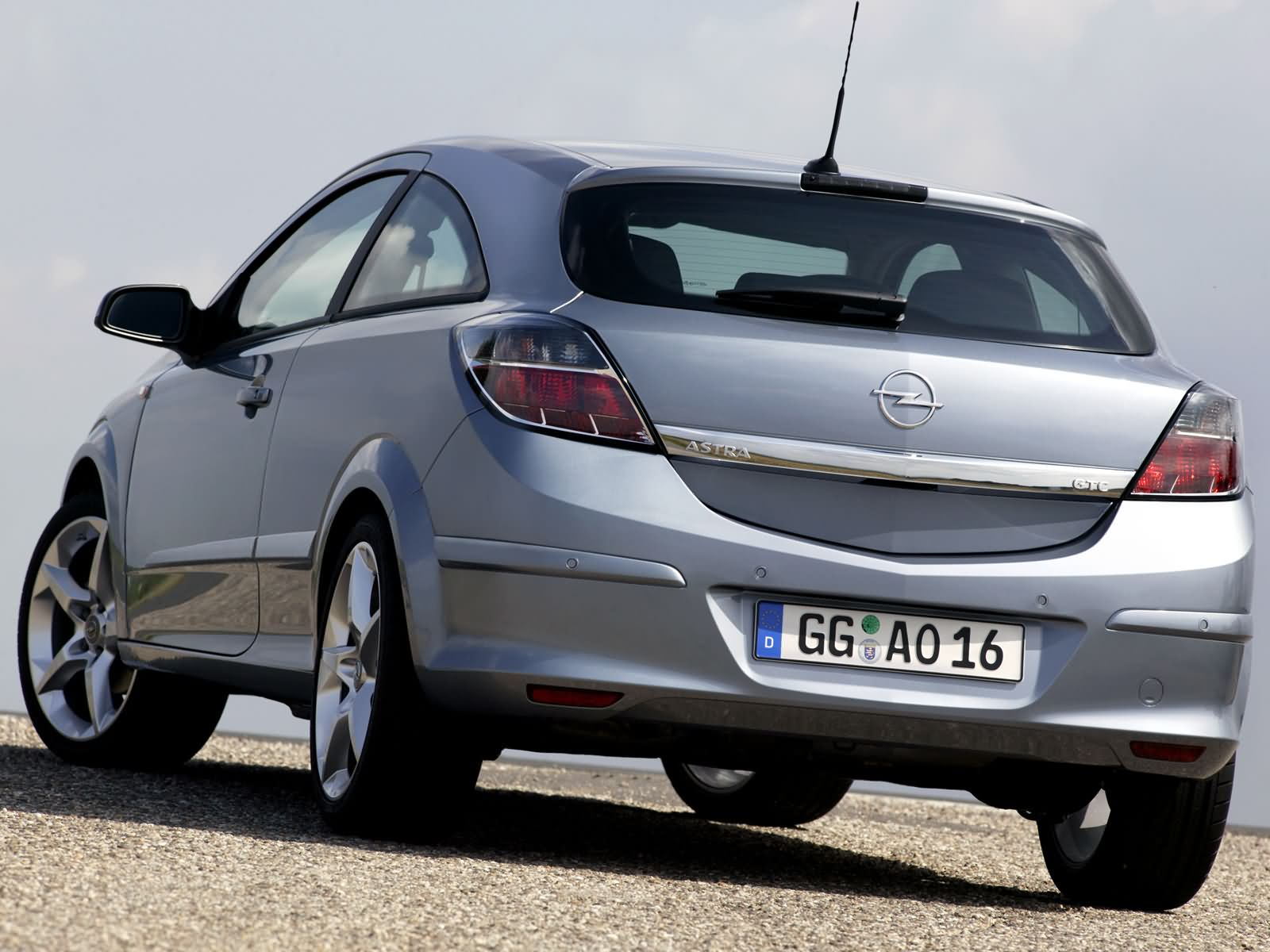 2005 opel astra h gtc pictures information and specs. Black Bedroom Furniture Sets. Home Design Ideas