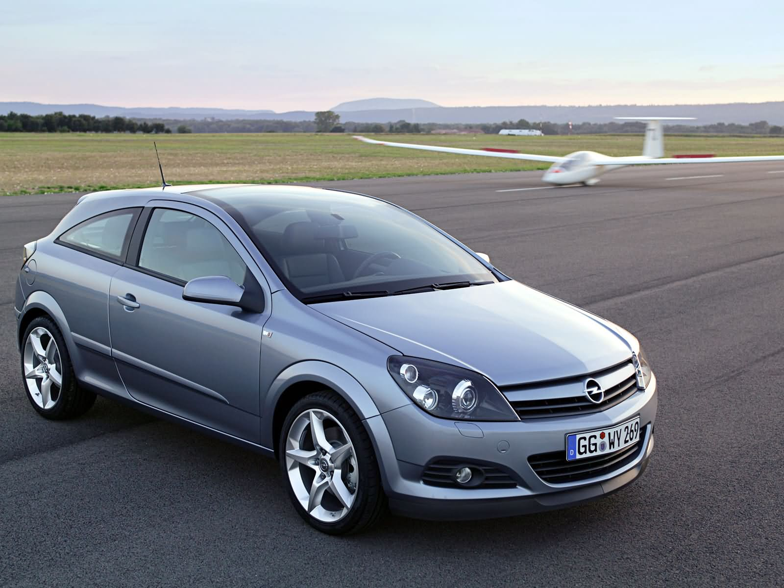 2012 opel astra h gtc pictures information and specs. Black Bedroom Furniture Sets. Home Design Ideas