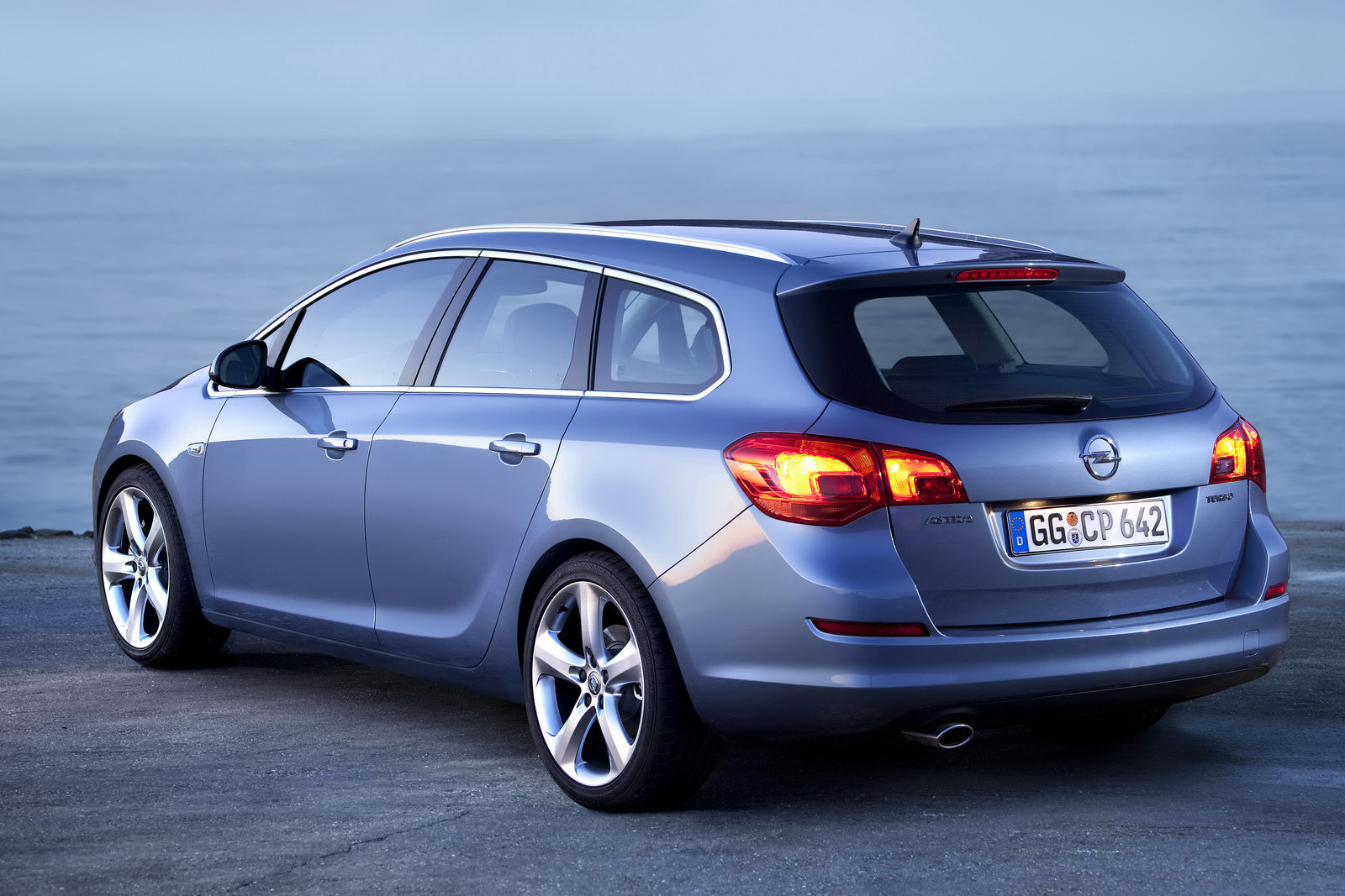 2013 Opel Astra J Sports Tourer Pictures Information And Specs Hyundai Santa Fe Fuse Box Images 9