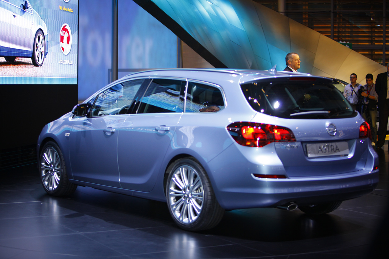 2013 opel astra j sports tourer pictures information and specs auto. Black Bedroom Furniture Sets. Home Design Ideas