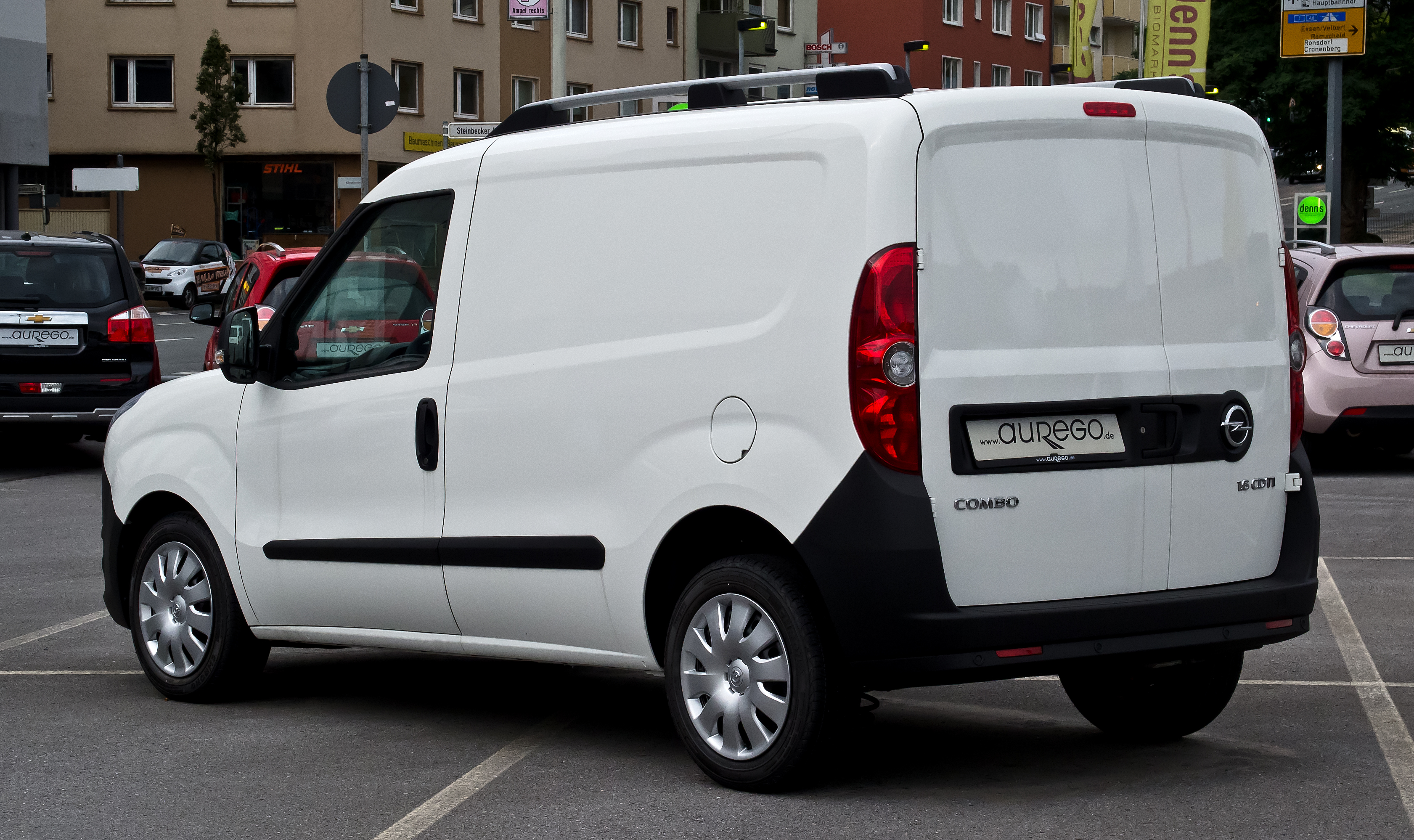 2015 Opel Combo B Tour Pictures Information And Specs