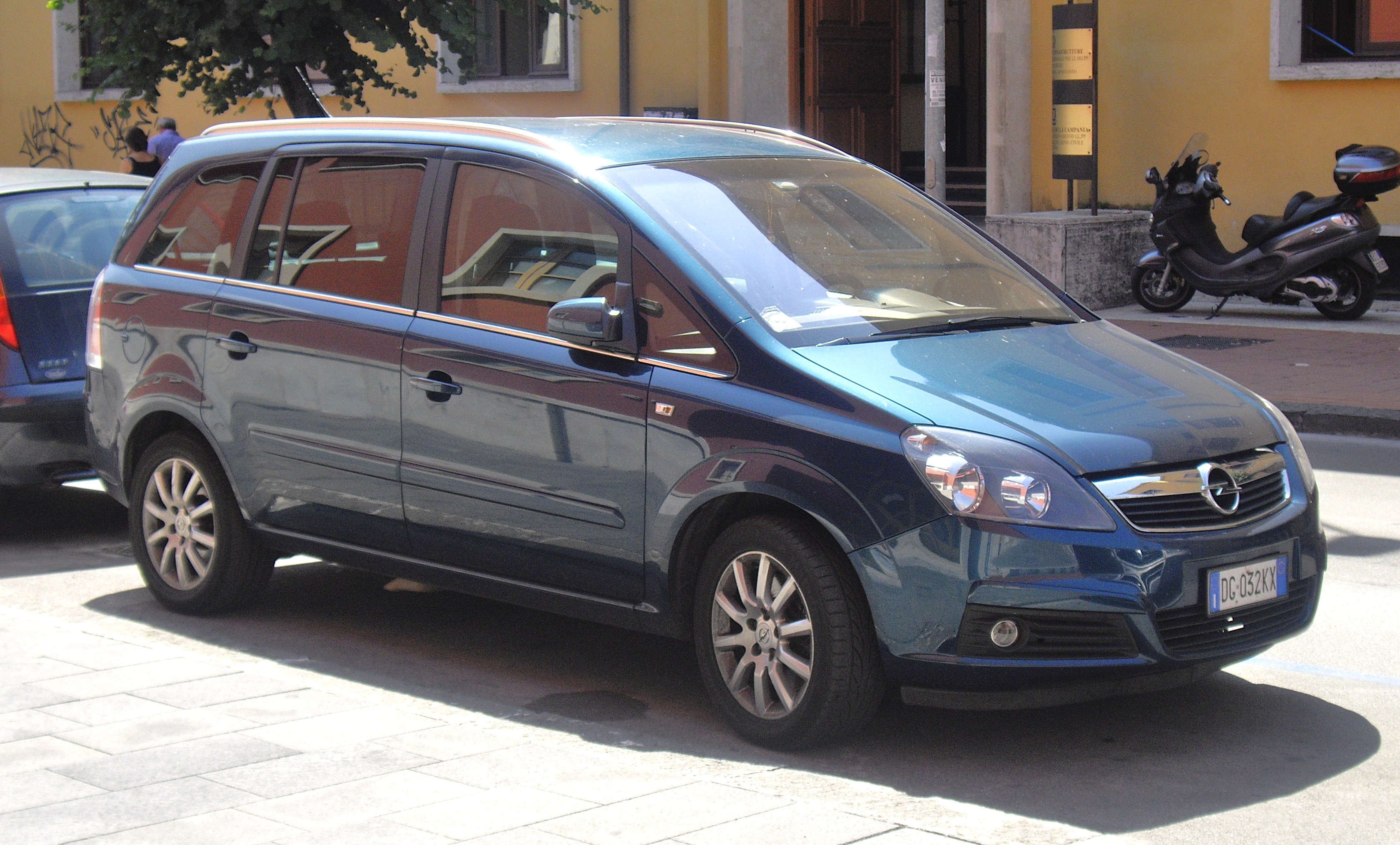 2010 opel zafira b pictures information and specs auto. Black Bedroom Furniture Sets. Home Design Ideas