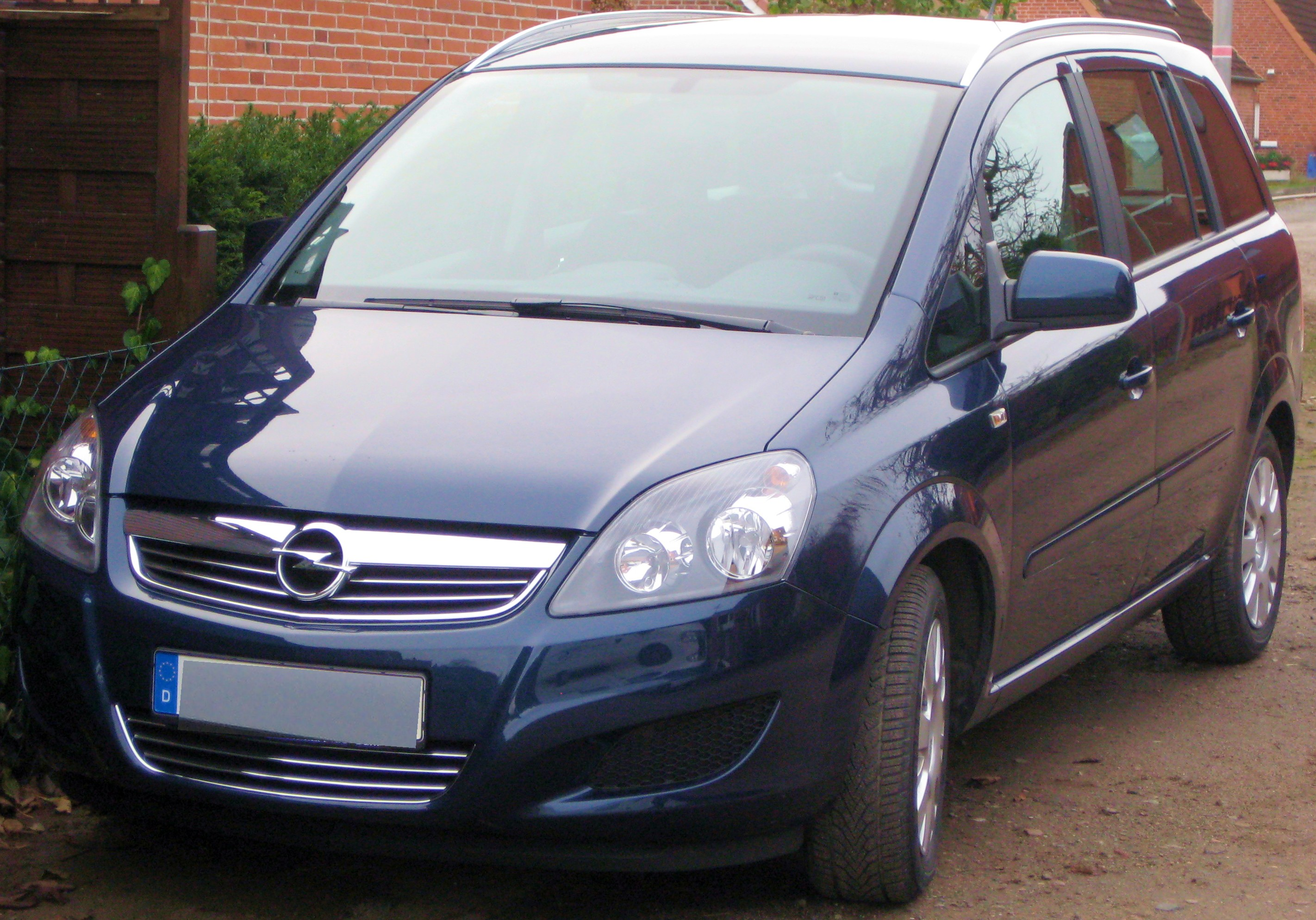 2011 opel zafira b pictures information and specs. Black Bedroom Furniture Sets. Home Design Ideas