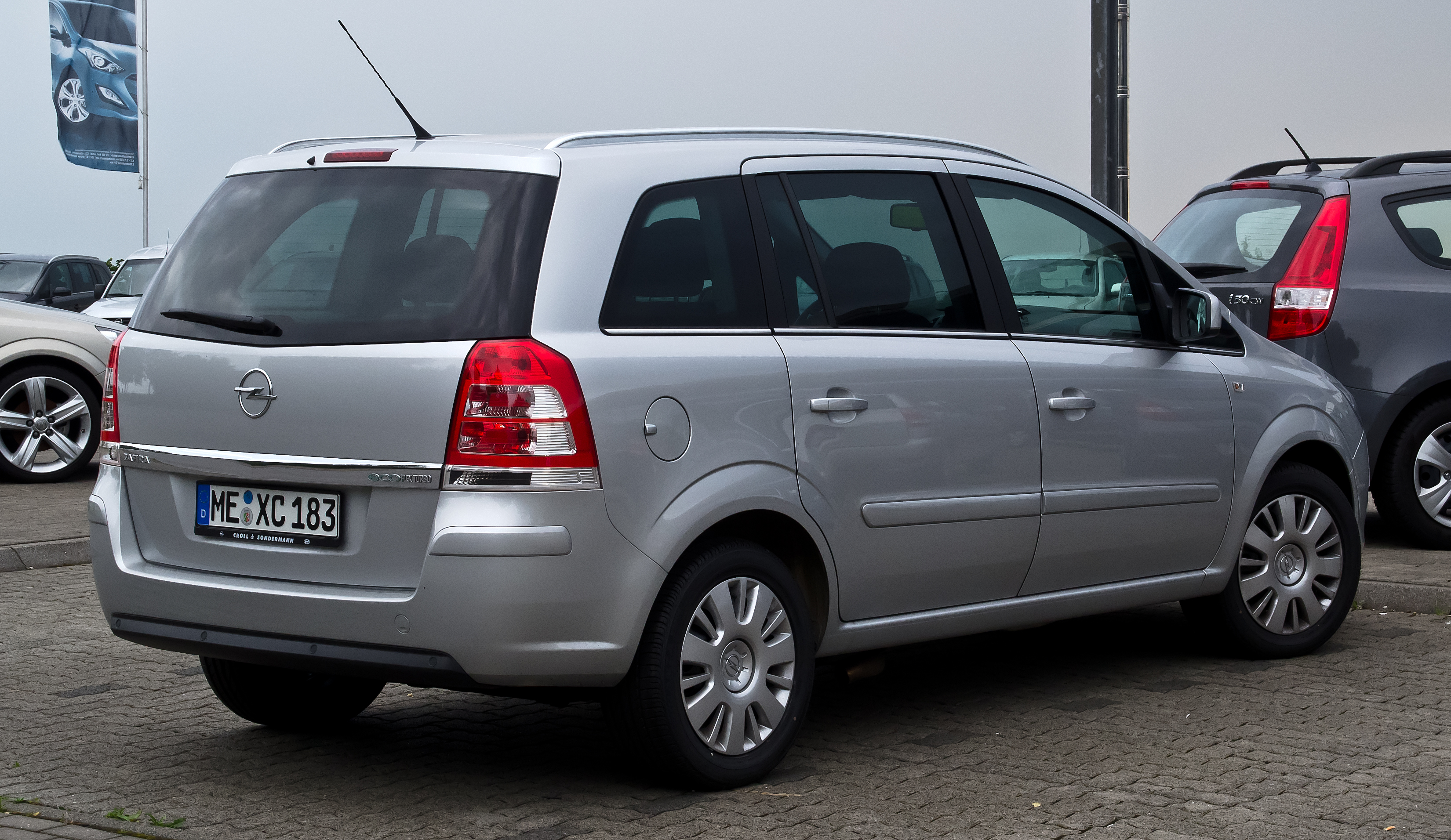 2012 Opel Zafira B Pictures Information And Specs