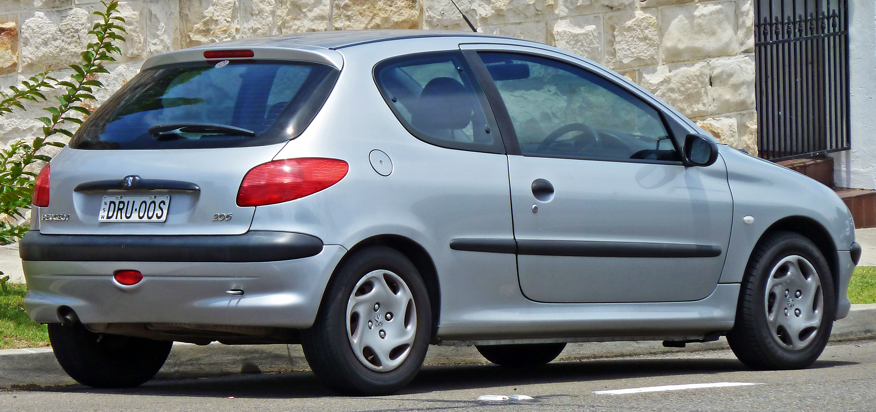 2011 Peugeot 206 – pictures, information and specs - Auto ...