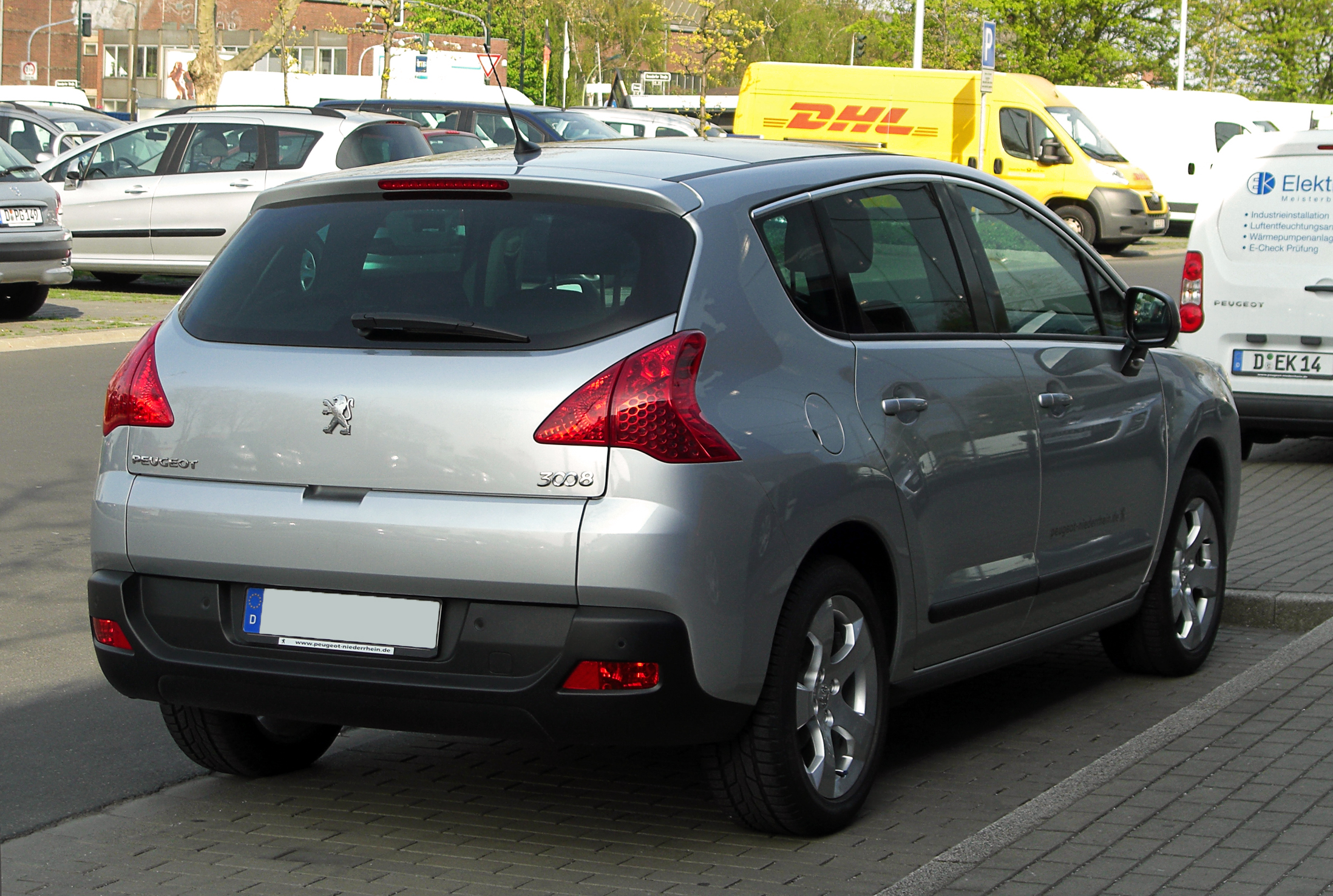 2011 Peugeot 3008 – pictures, information and specs - Auto ...