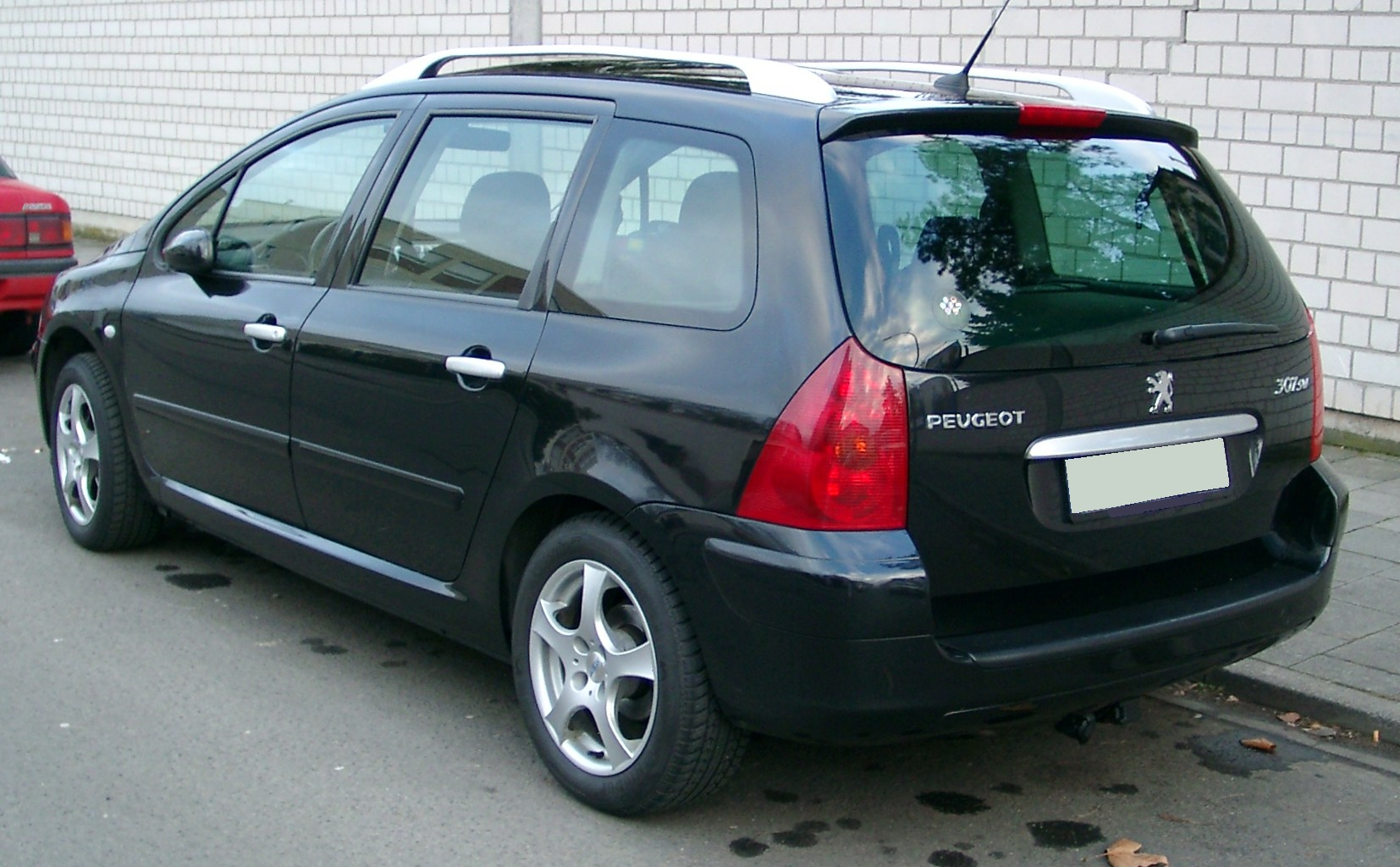 peugeot 307 station wagon 2012 pictures