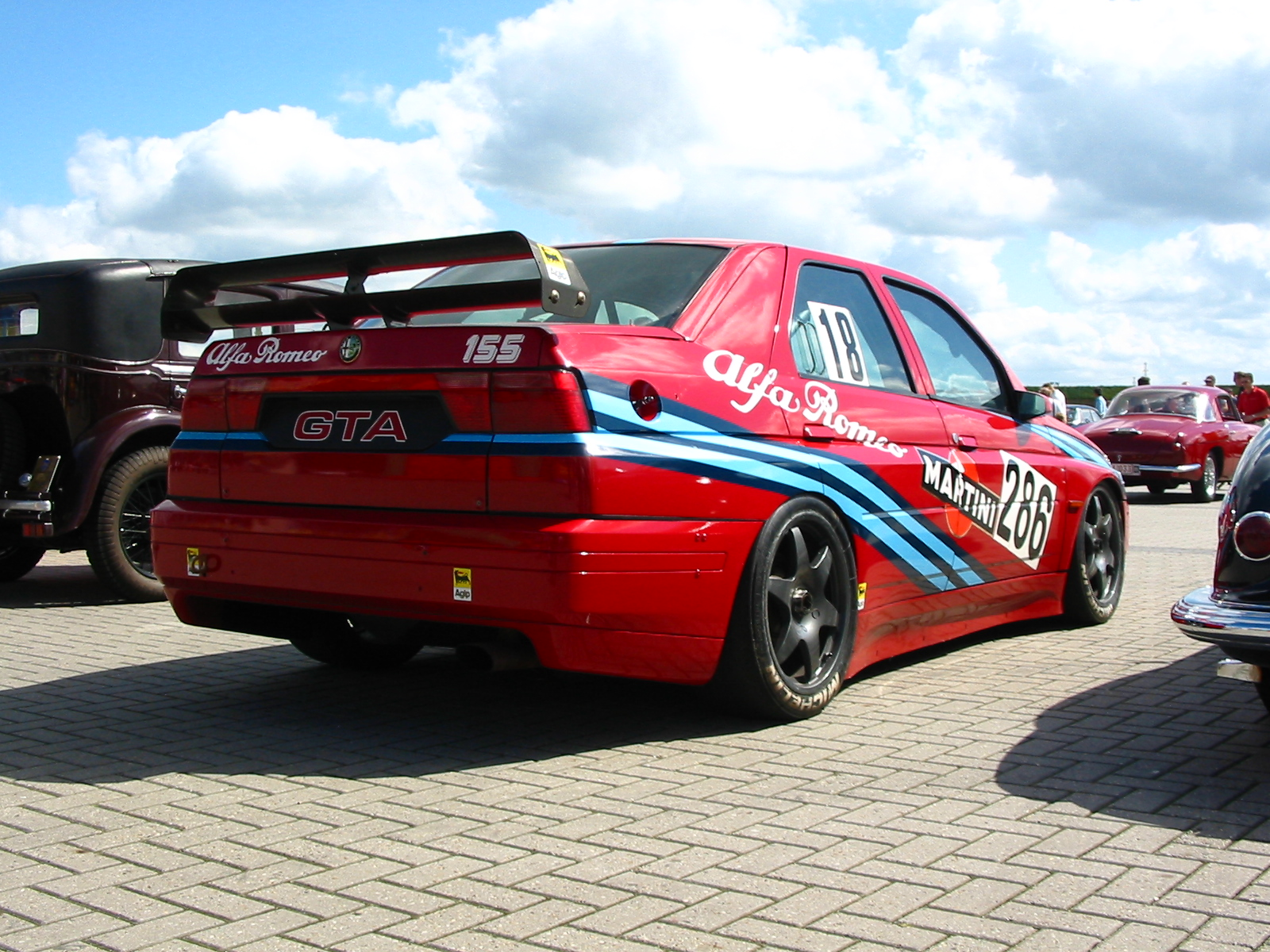 Pictures of alfa romeo 155