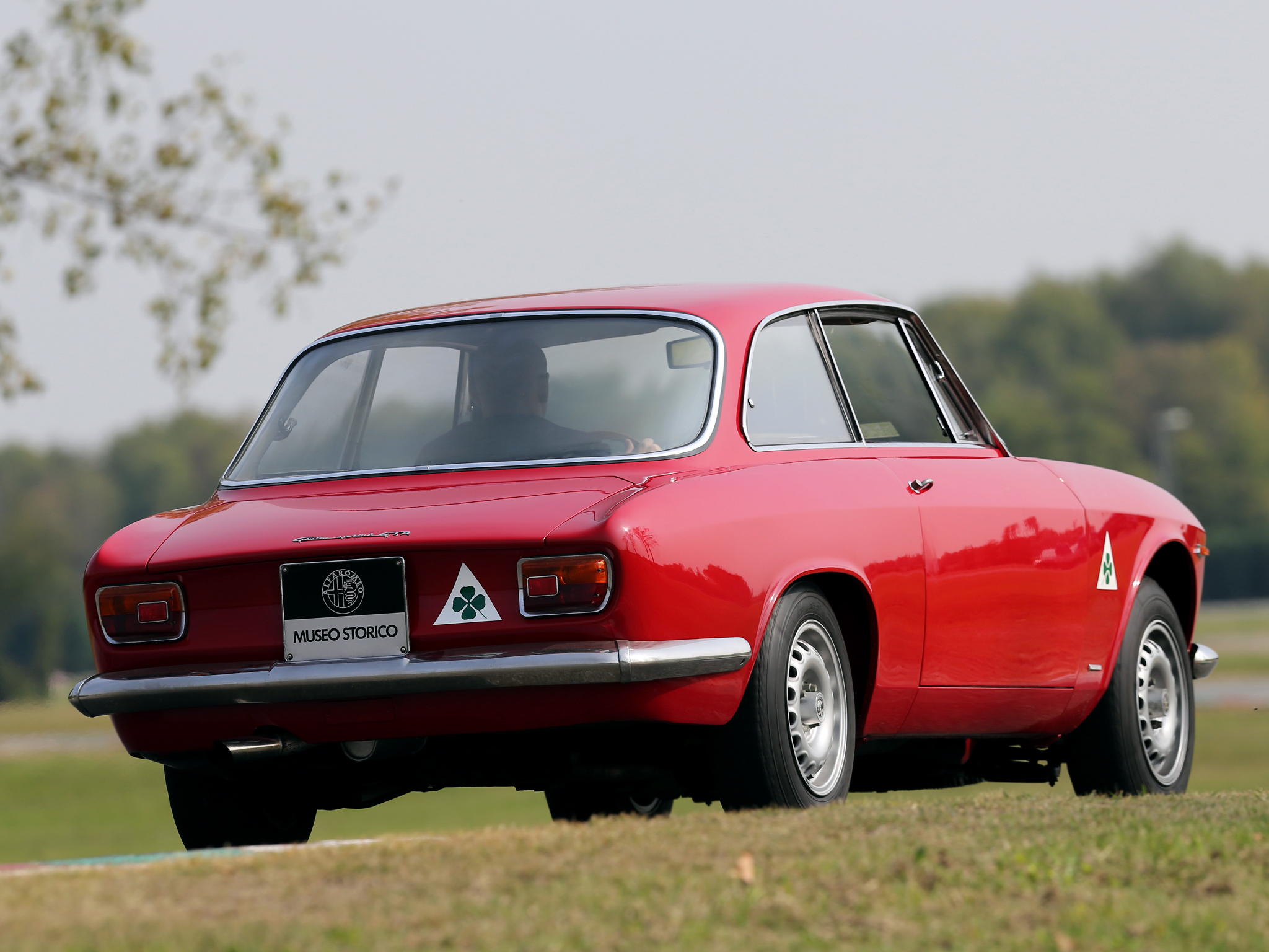 Pictures of alfa romeo gta coupe #11