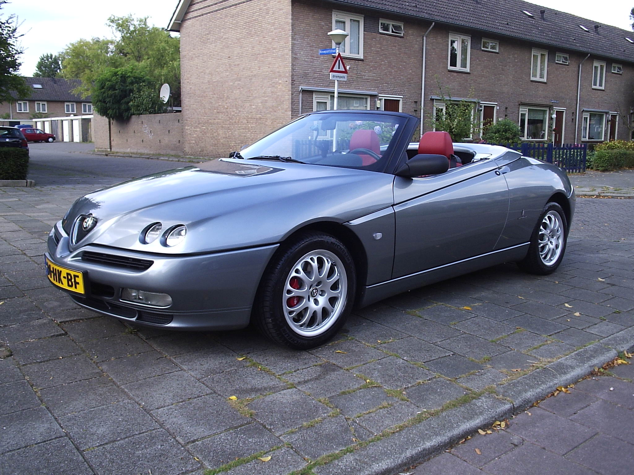 1999 alfa romeo spider 916 pictures information and specs auto. Black Bedroom Furniture Sets. Home Design Ideas