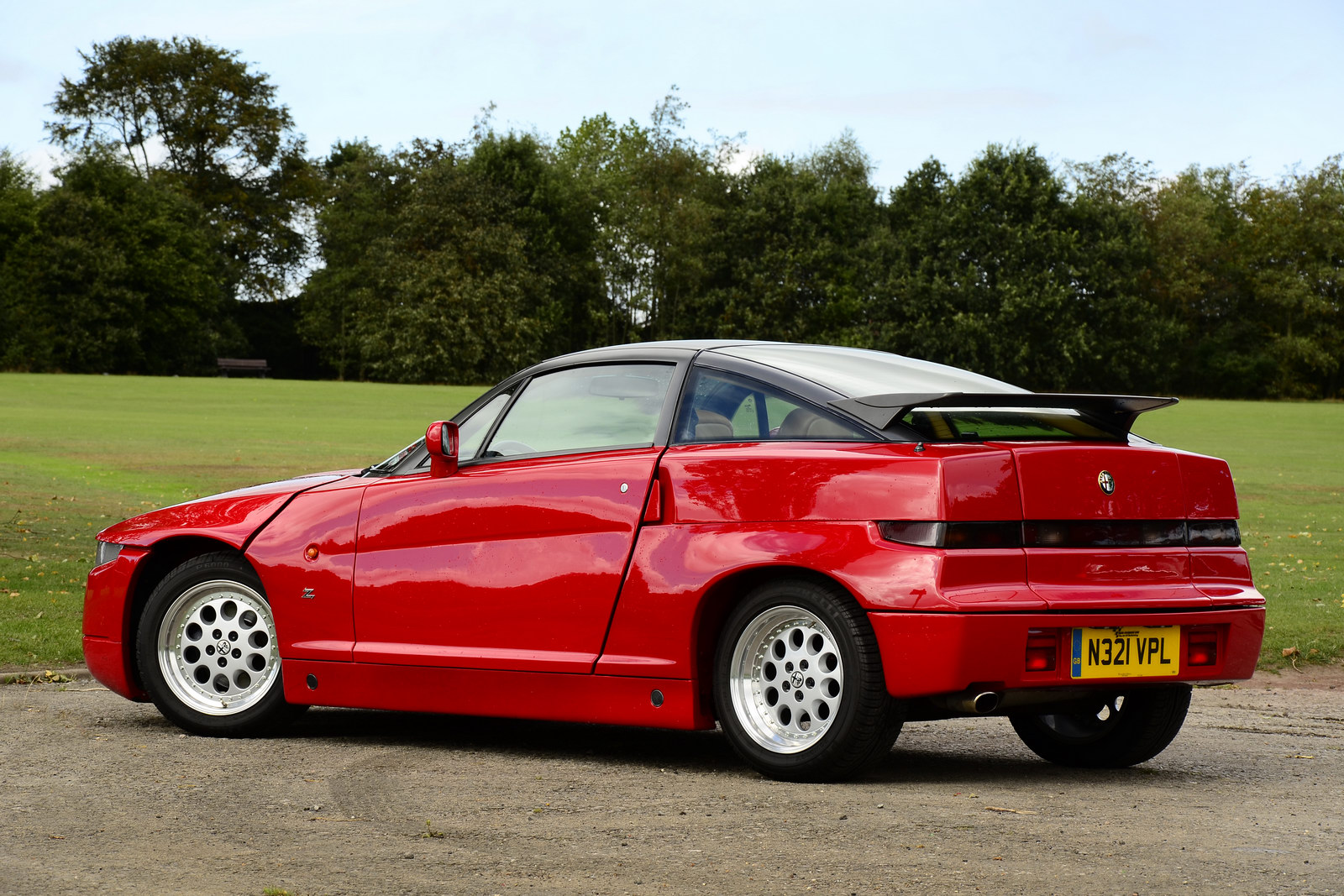 Pictures of alfa romeo sz