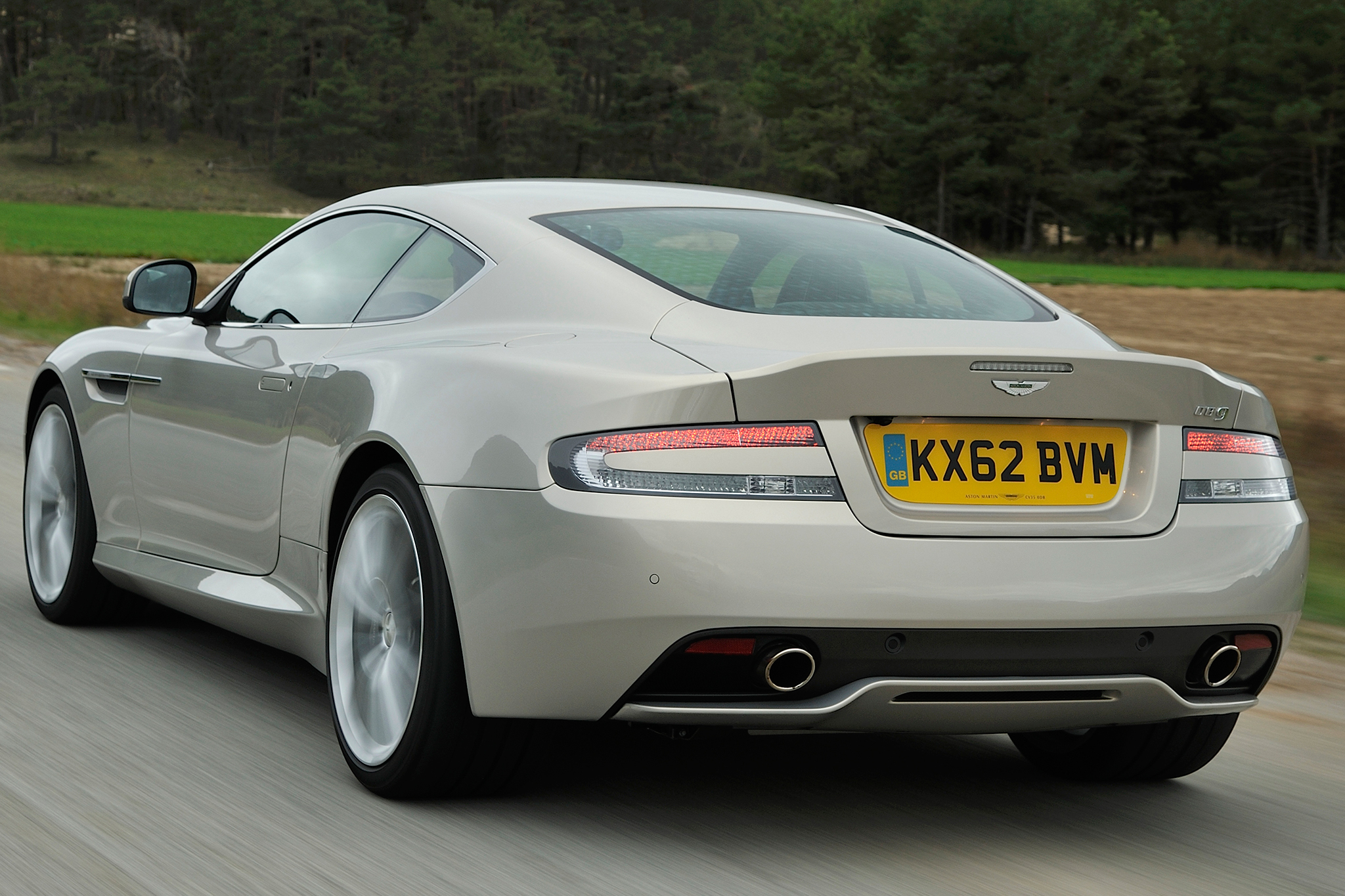 Pictures Of Aston Martin Db9 Coupe 2014 Auto Database Com