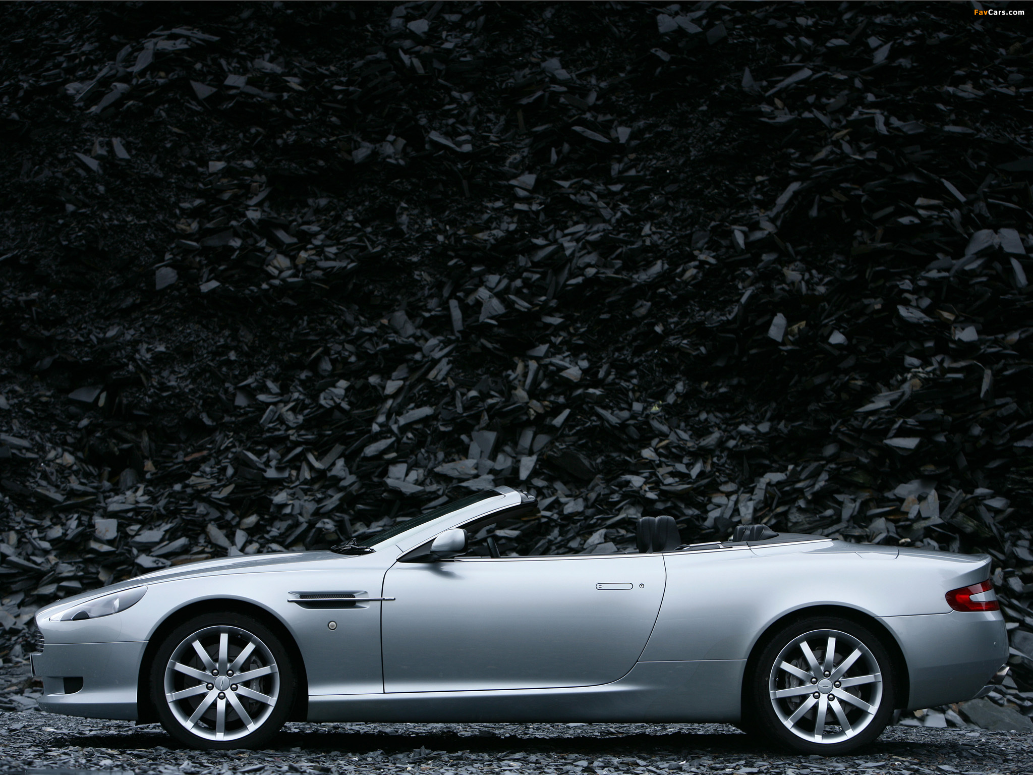 Pictures of aston martin db9 voltane 2004