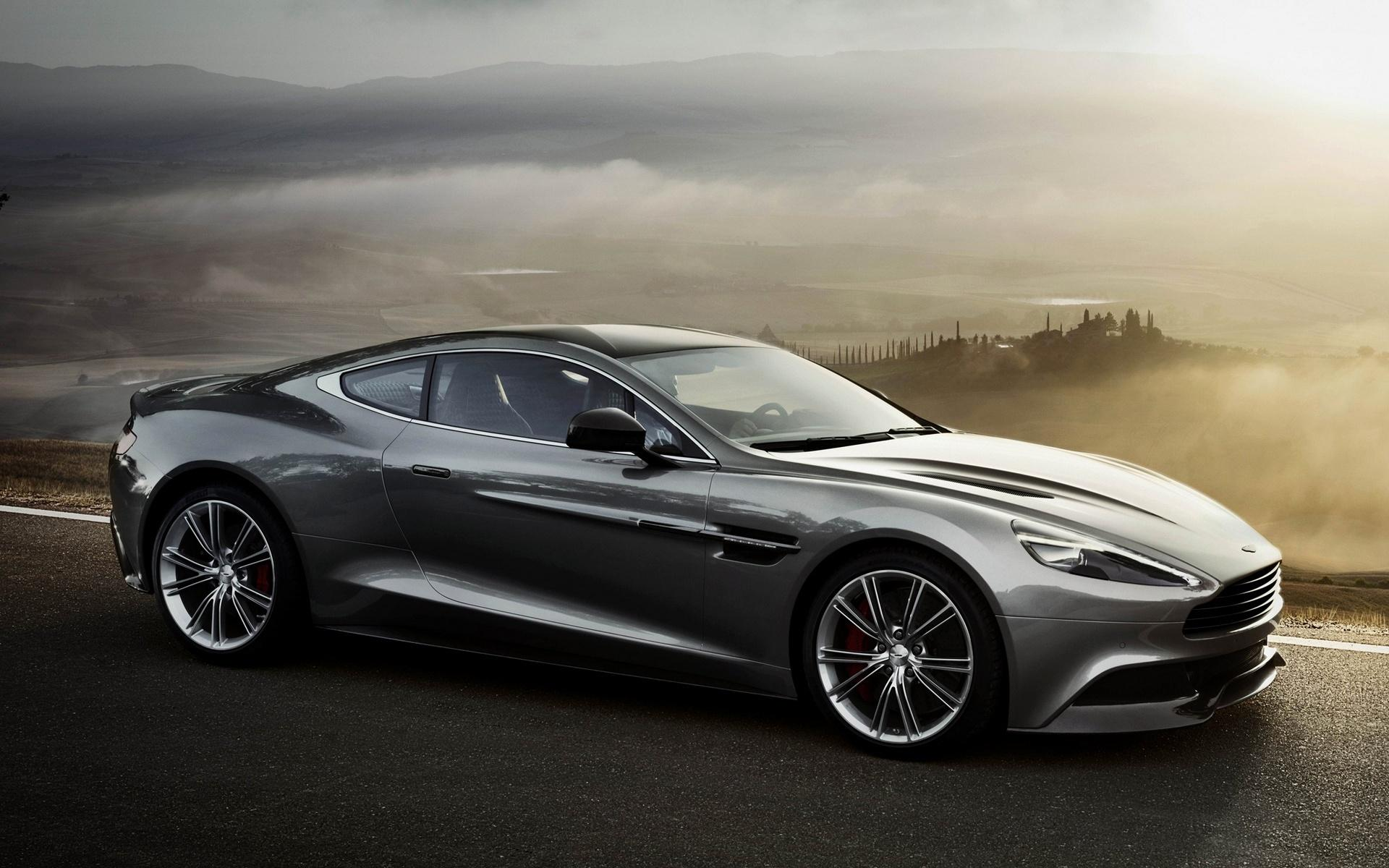 Pictures of aston martin v12 vanquish #2
