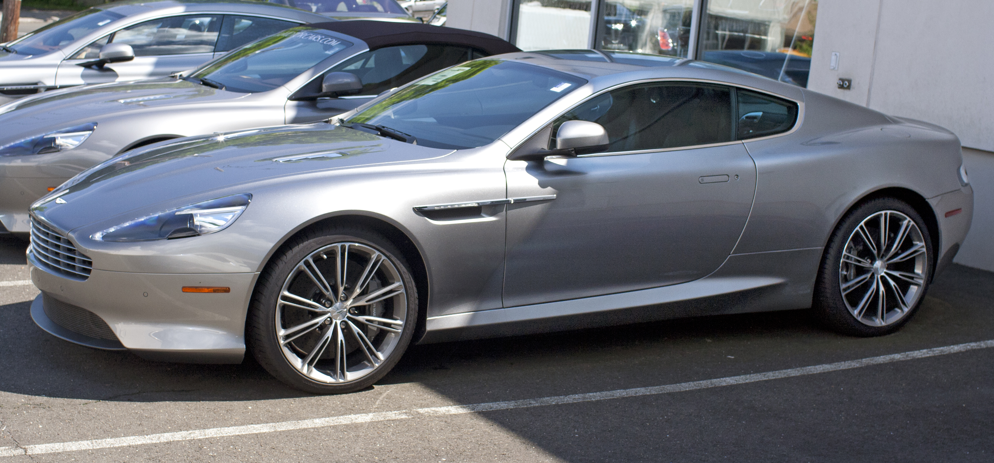 Pictures of aston martin virage