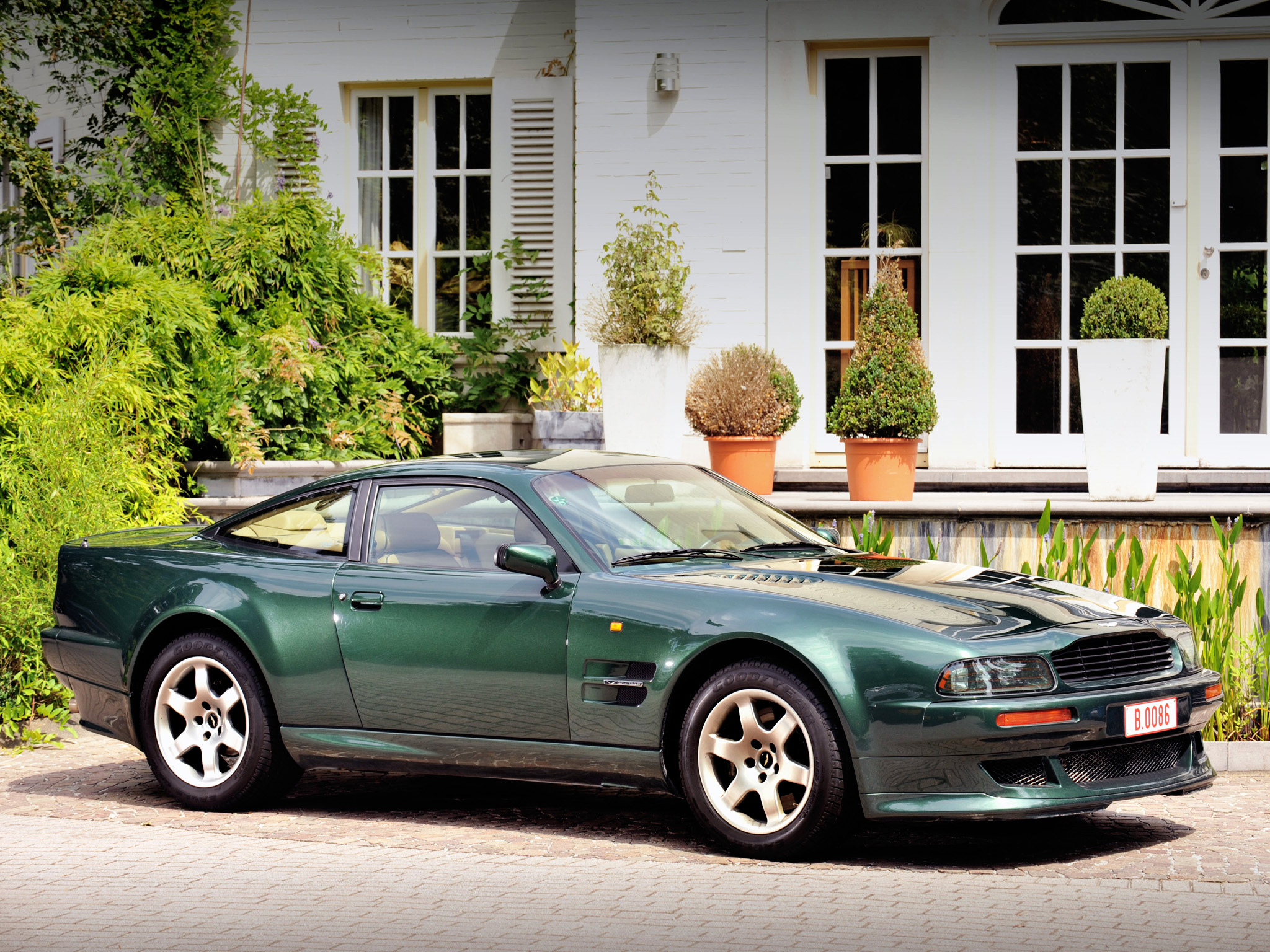 Pictures of aston martin virage vantage 1993