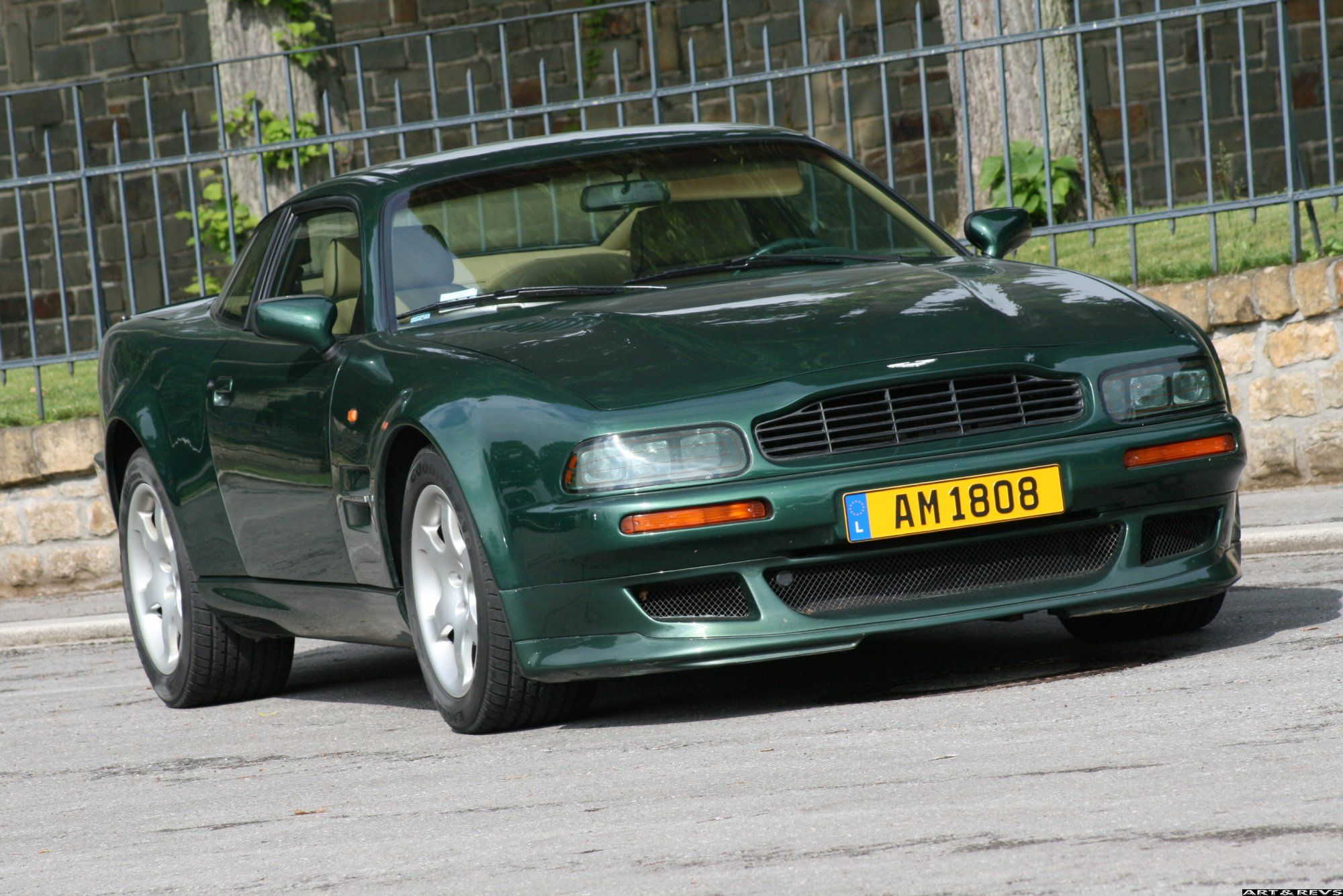 Pictures of aston martin virage vantage 1995