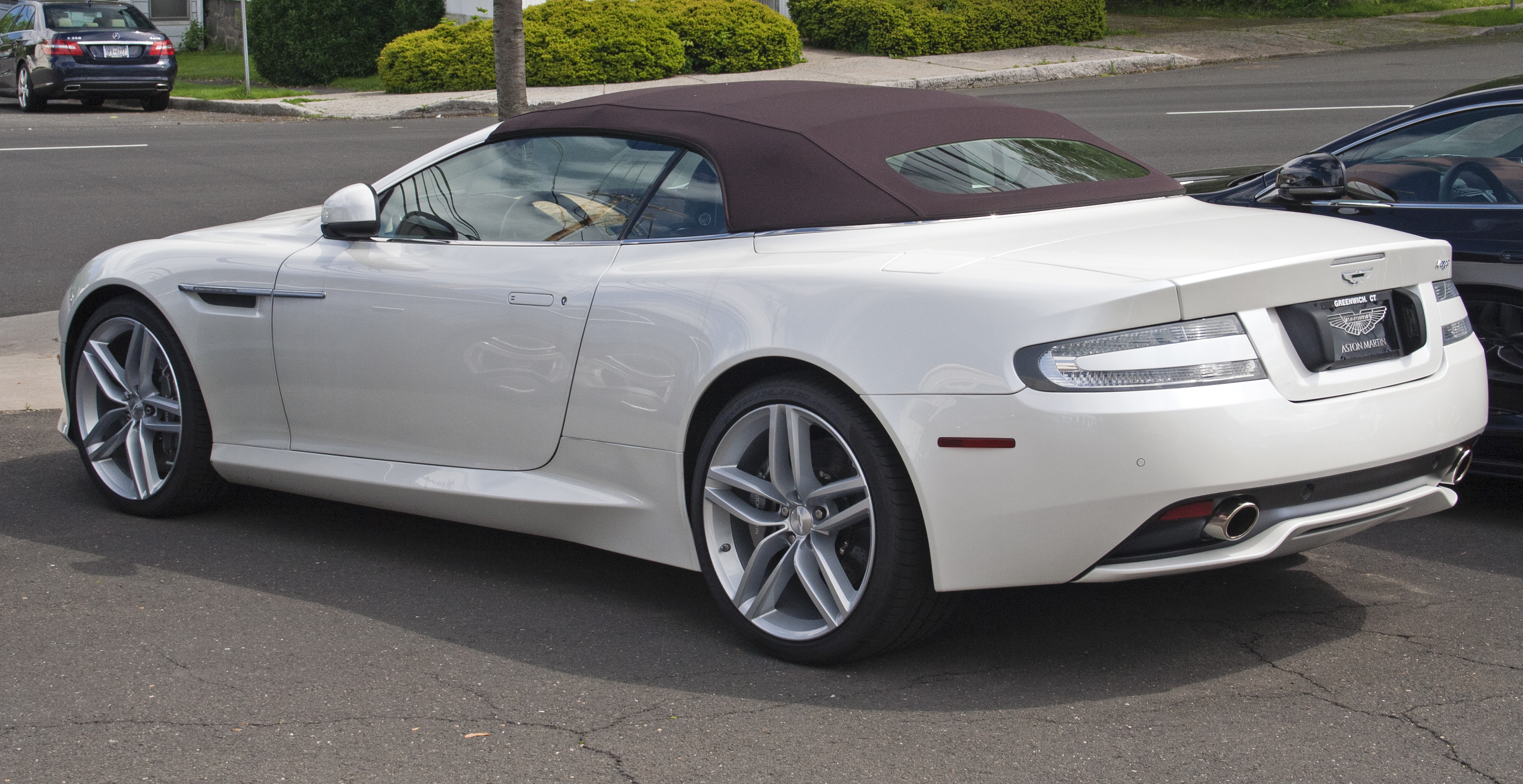 Pictures of aston martin virage vantage 1998
