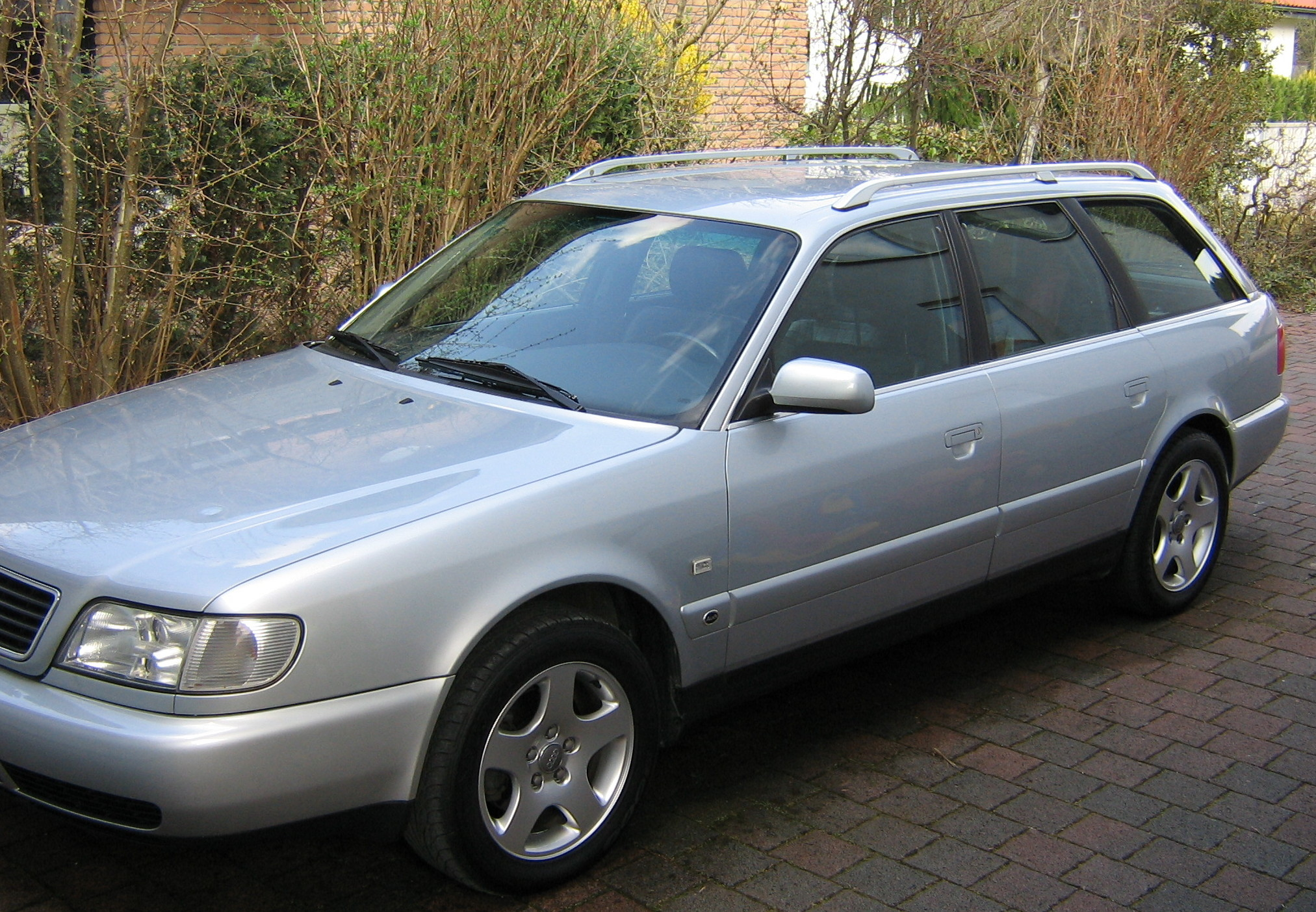 Pictures Of Audi A6 4a C4 1996 Auto Database Com