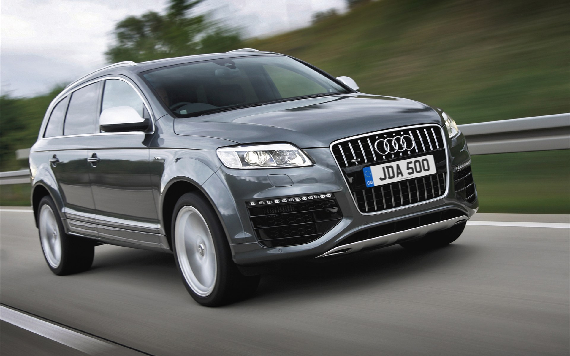 2013 audi q7 pictures information and specs auto. Black Bedroom Furniture Sets. Home Design Ideas