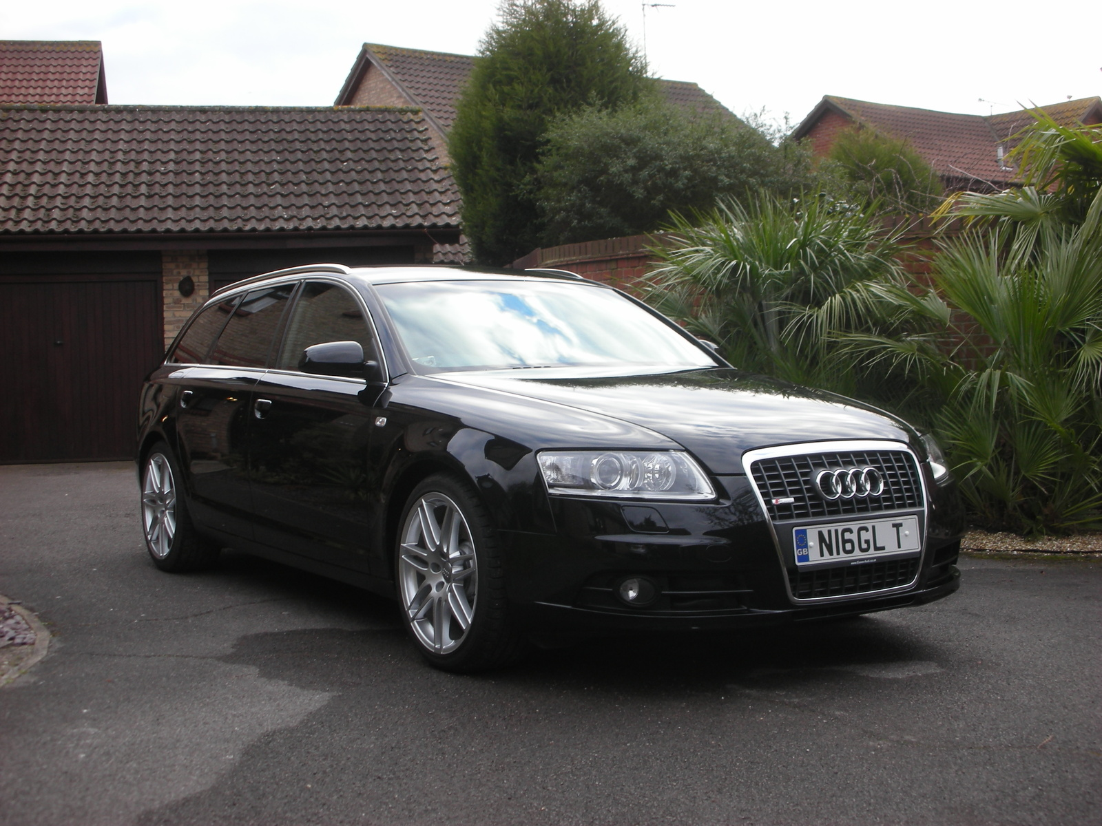 Pictures of audi s6 avant (iv) 2011