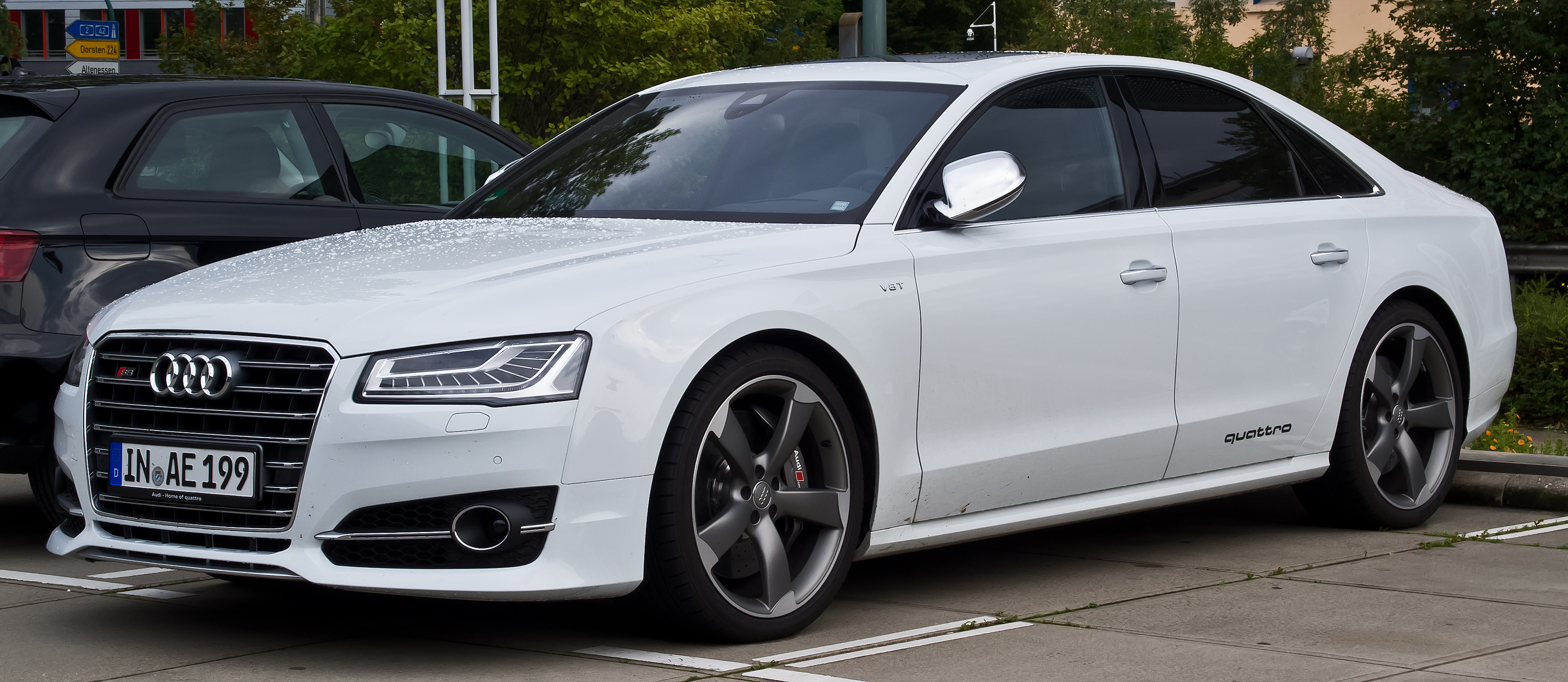 Pictures of audi s8 d4 2013