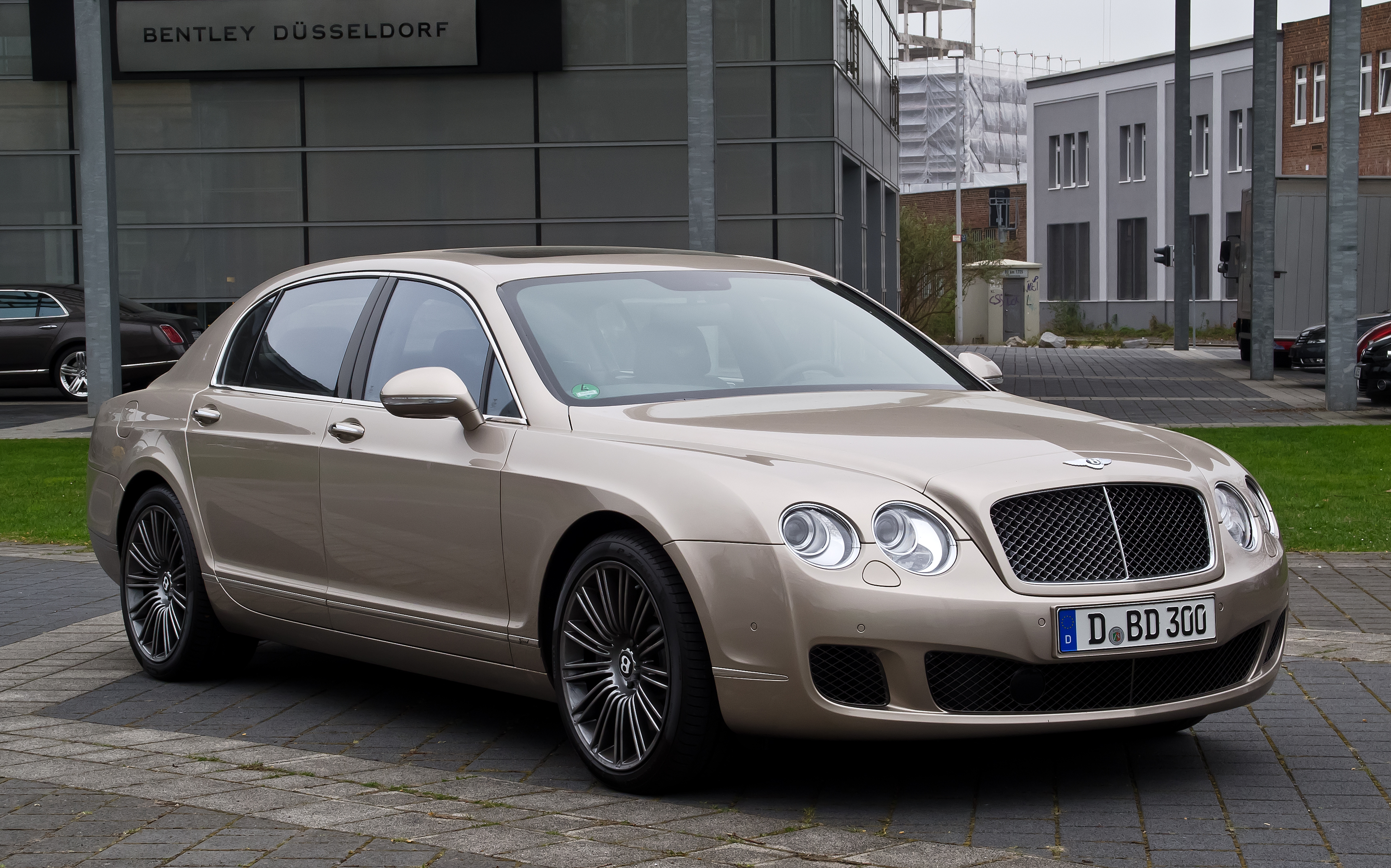 bentley flying continental photos spur articles makes informations