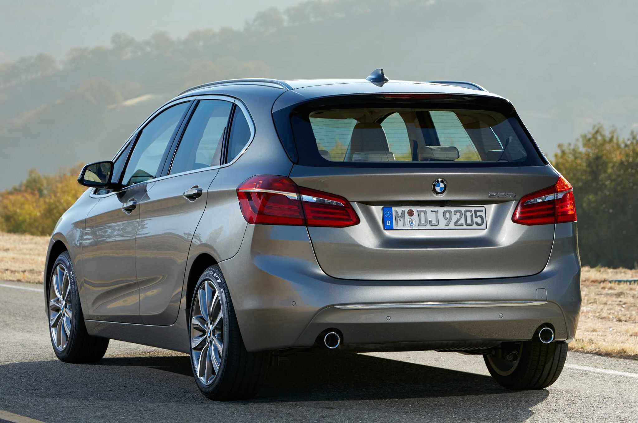 Pictures of bmw 2 series #13