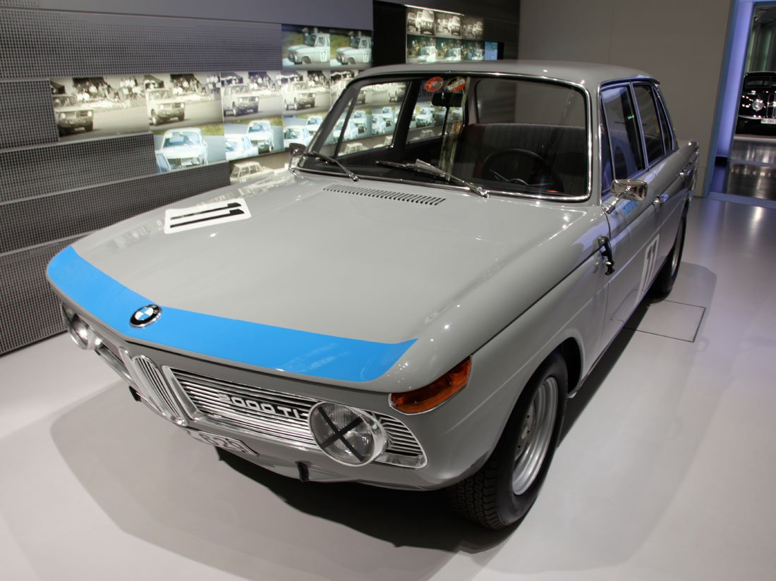 Pictures of bmw 2000 #7