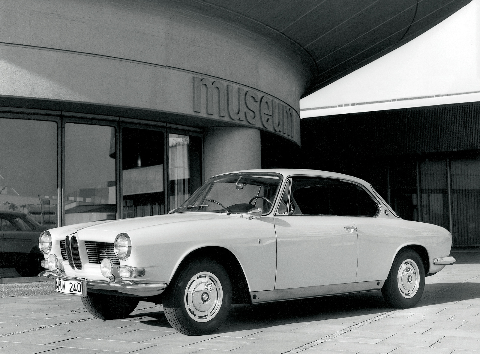 Pictures of bmw 3200