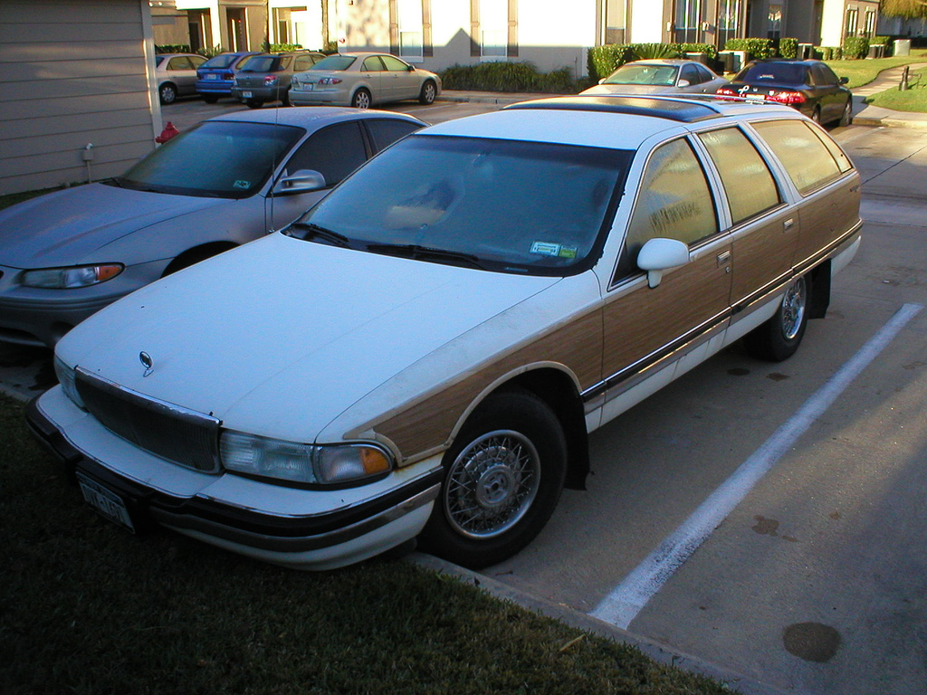 Pictures of buick roadmaster 1992