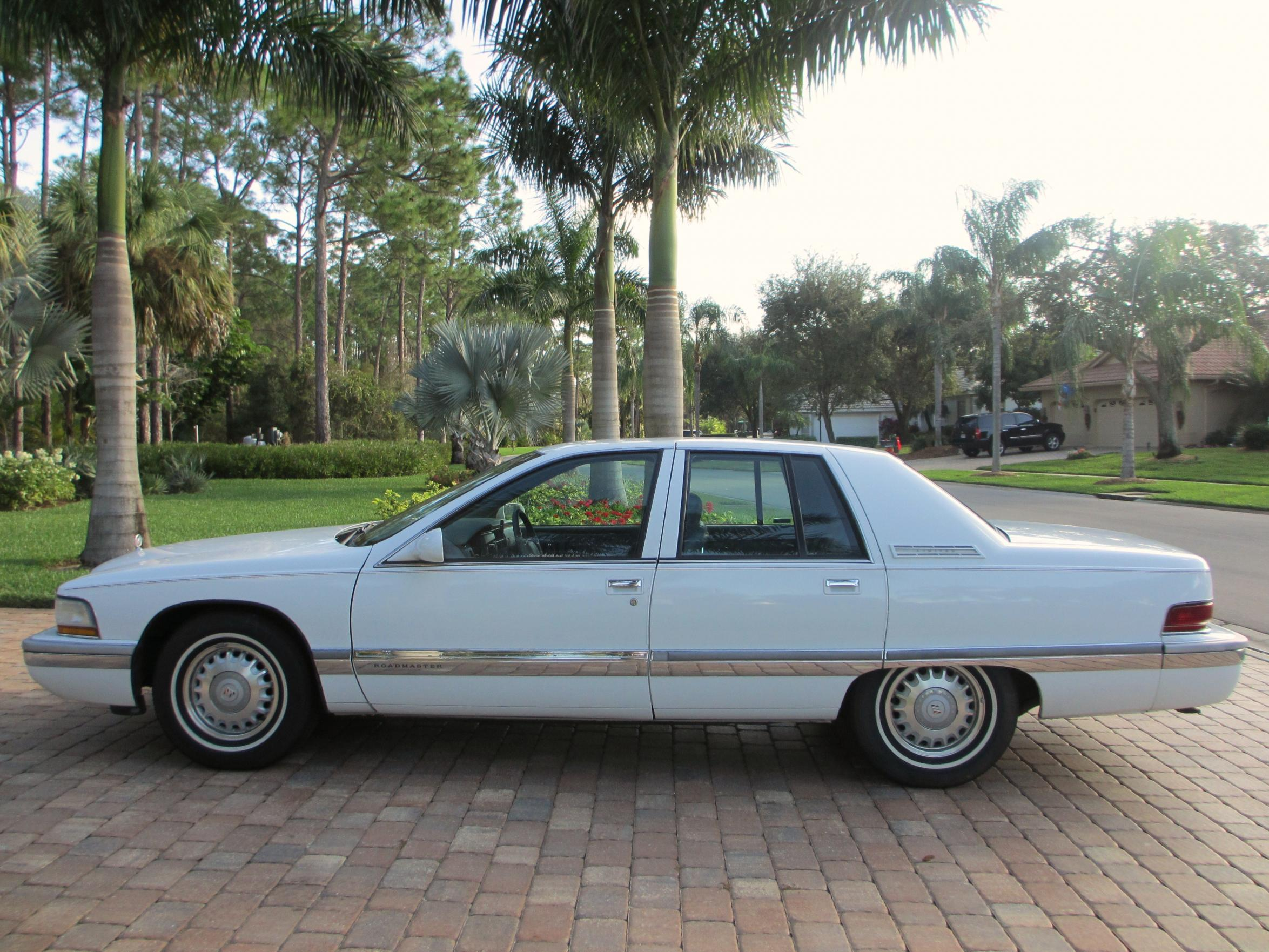 Pictures of buick roadmaster 1995