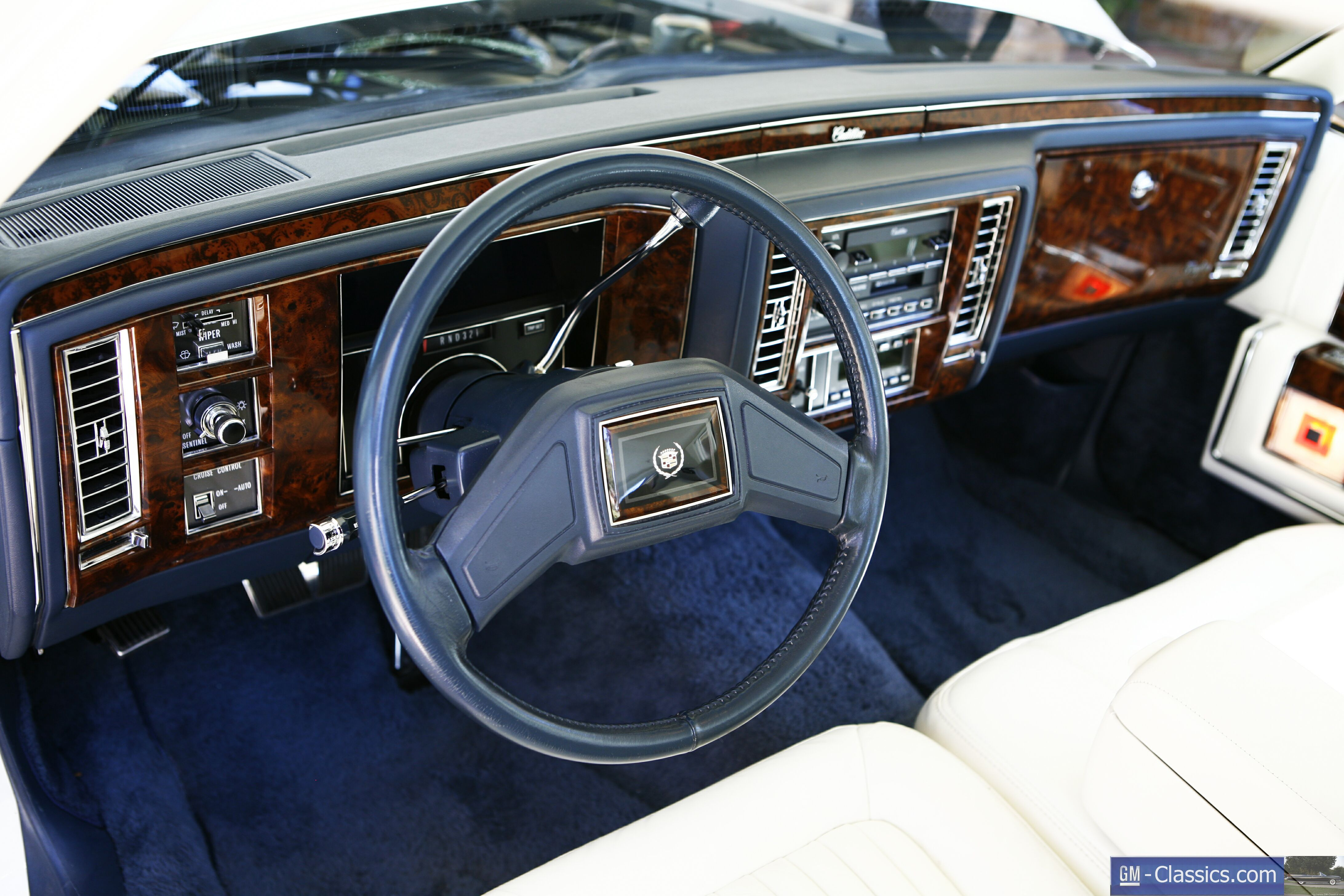 Pictures of cadillac brougham 1990