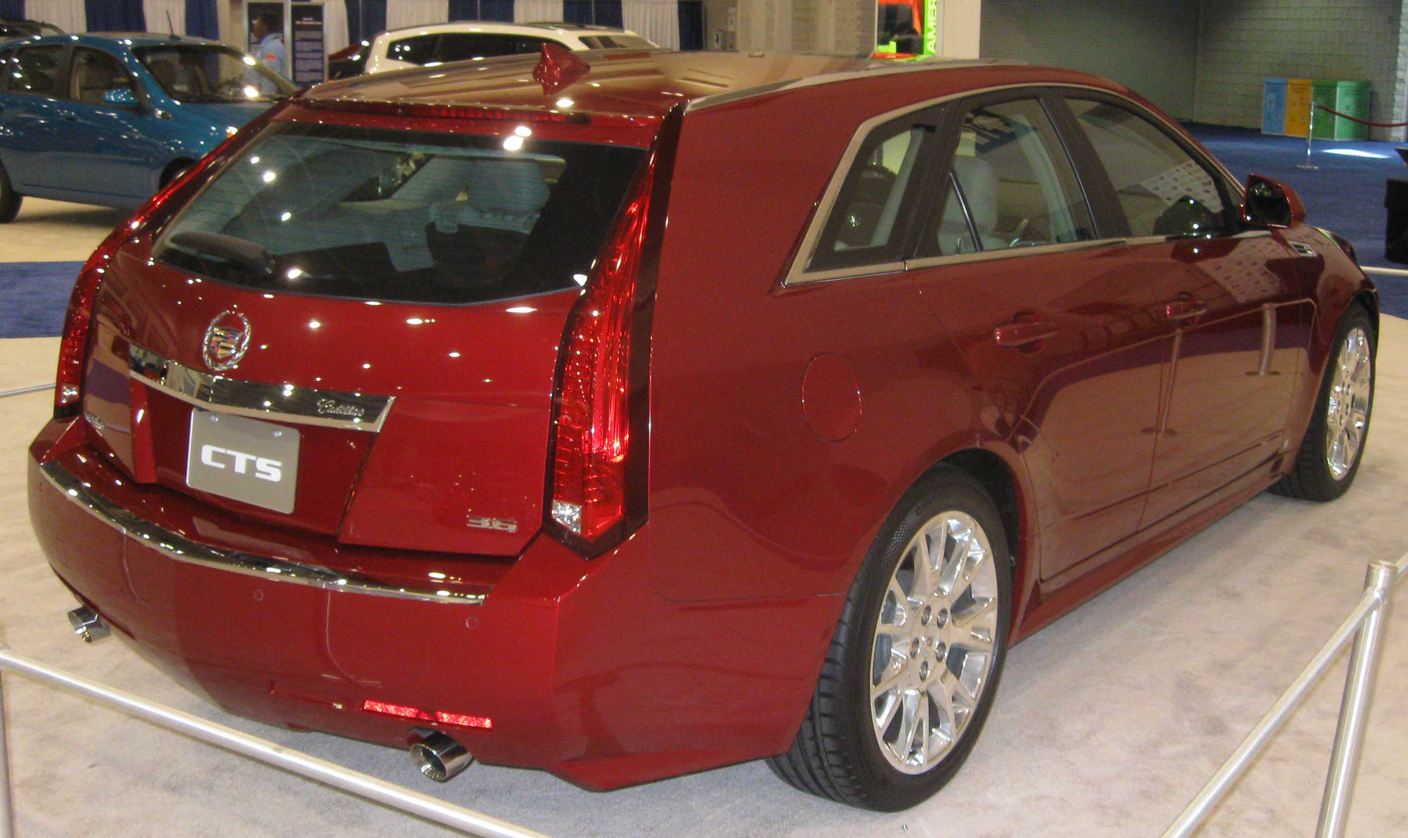 Pictures of cadillac cts sport wagon 2009